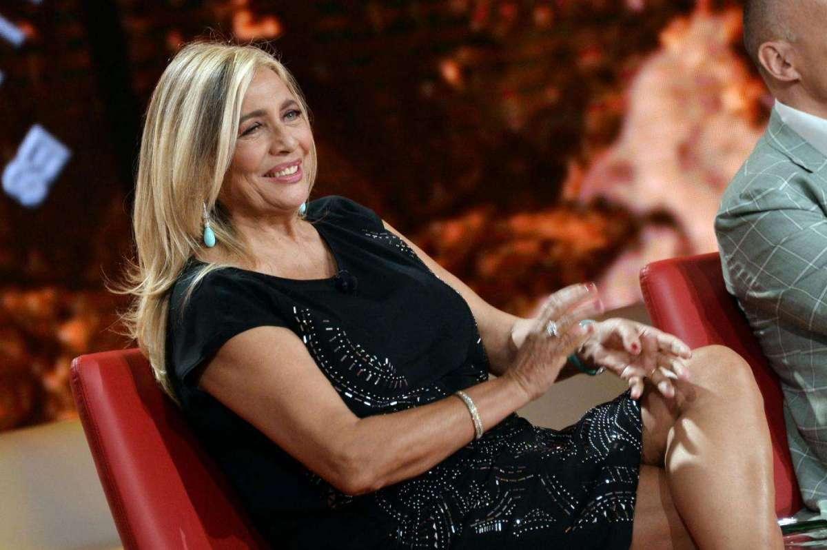 Mara Venier e la gaffe sul ritorno in Rai: 'Domenica In è il programma che amo di più'