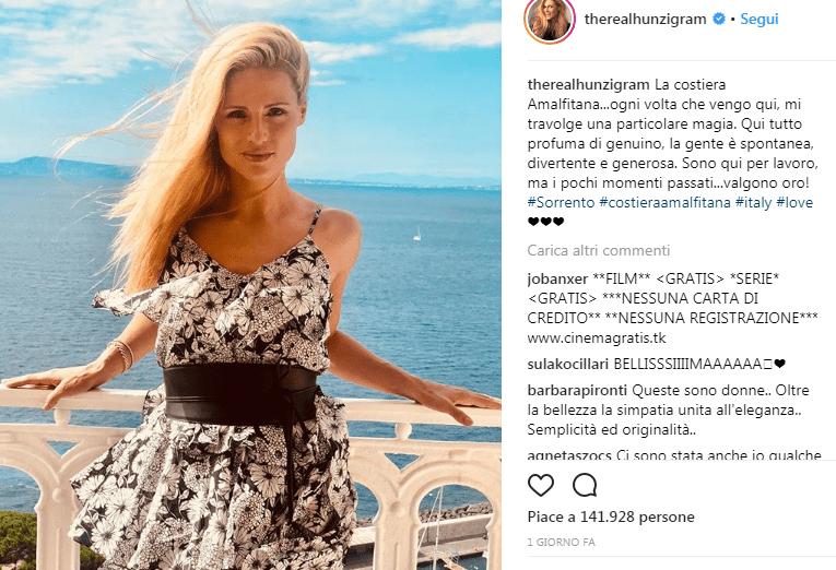 Michelle Hunziker a Sorrento per vacanza e per lavoro
