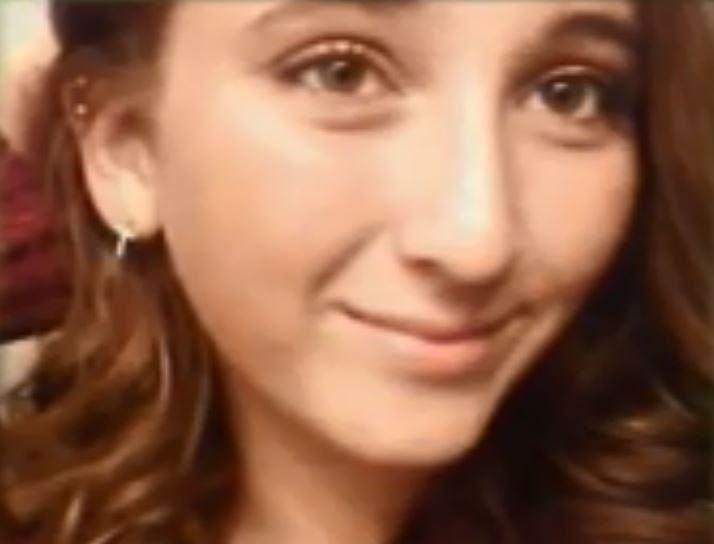 Ragazza di 17 anni sviene nella vasca e annega, i suoi capelli hanno intasato lo scarico