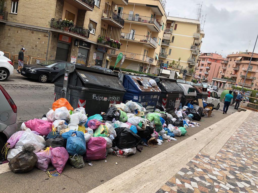 Rifiuti a Roma, presidente Ama: 'Stiamo lavorando a una soluzione'