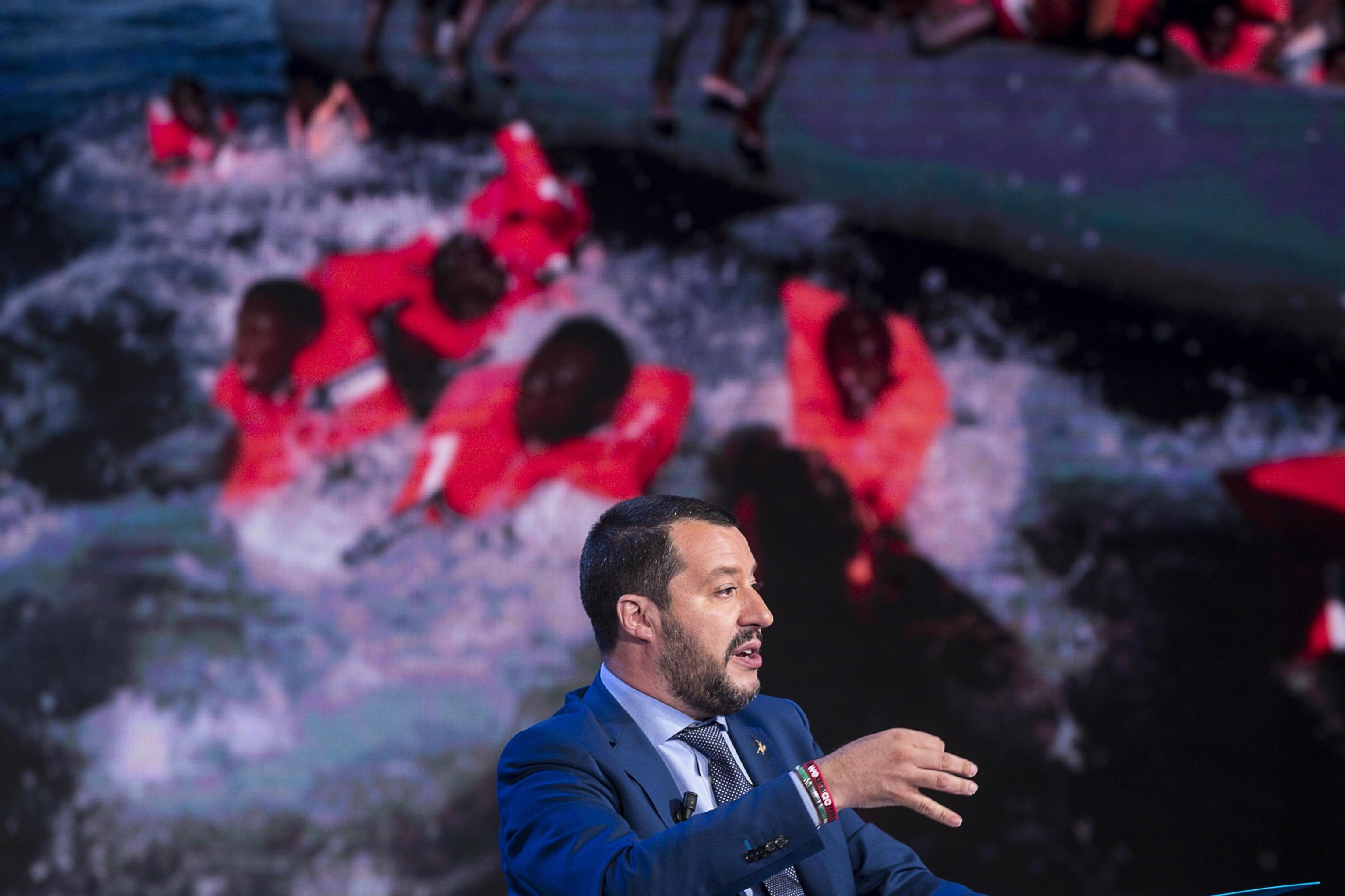 Migranti: Salvini