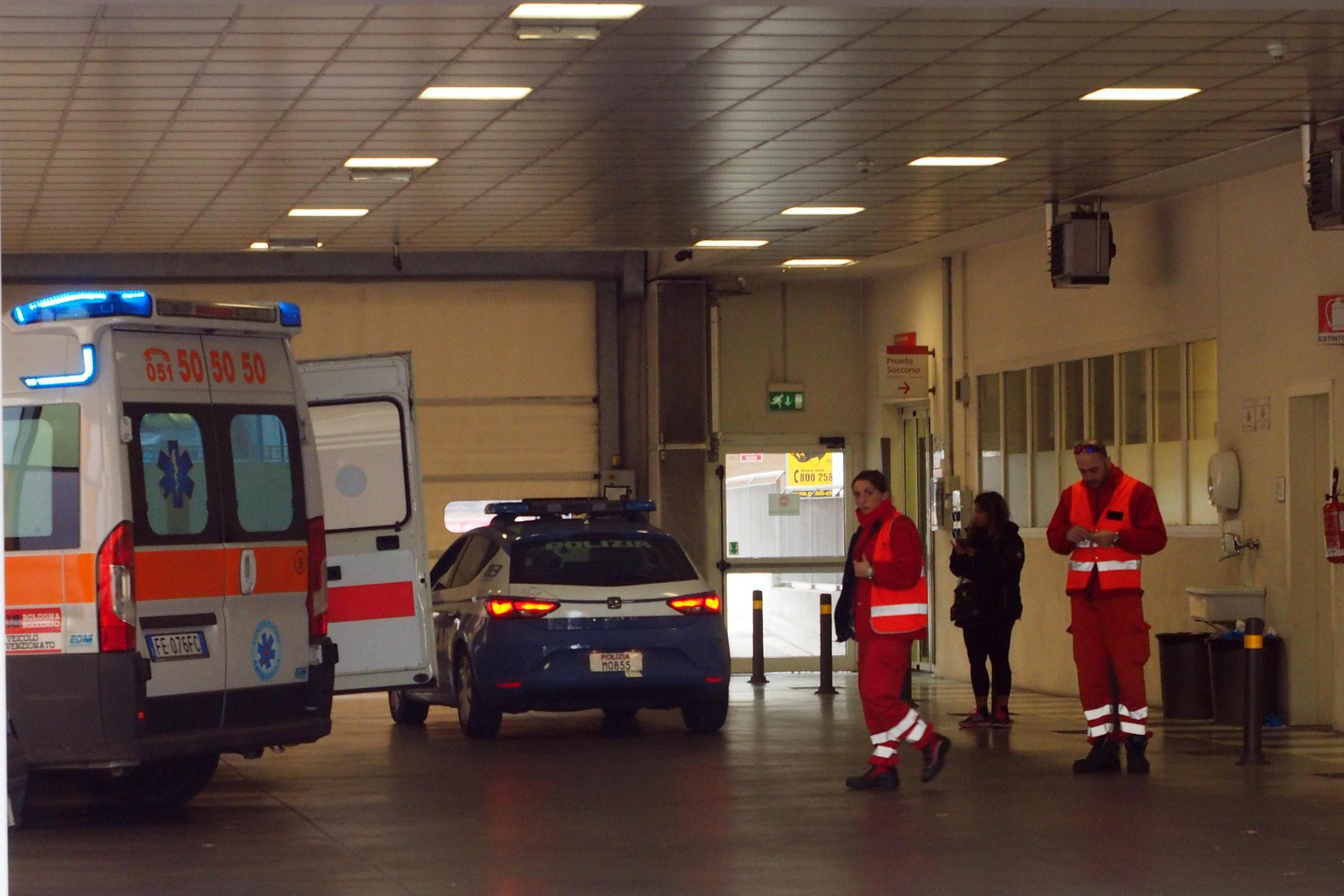 Barista picchiata da tre donne magrebine: 'A Sassuolo non si vive più'