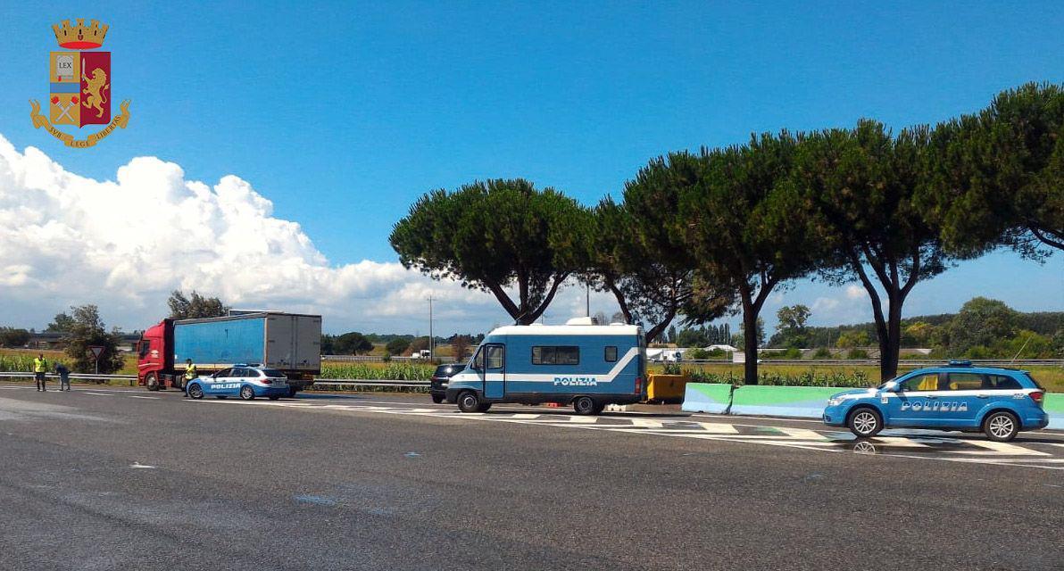 In contromano per non pagare il pedaggio, è successo sulla Torino-Pinerolo