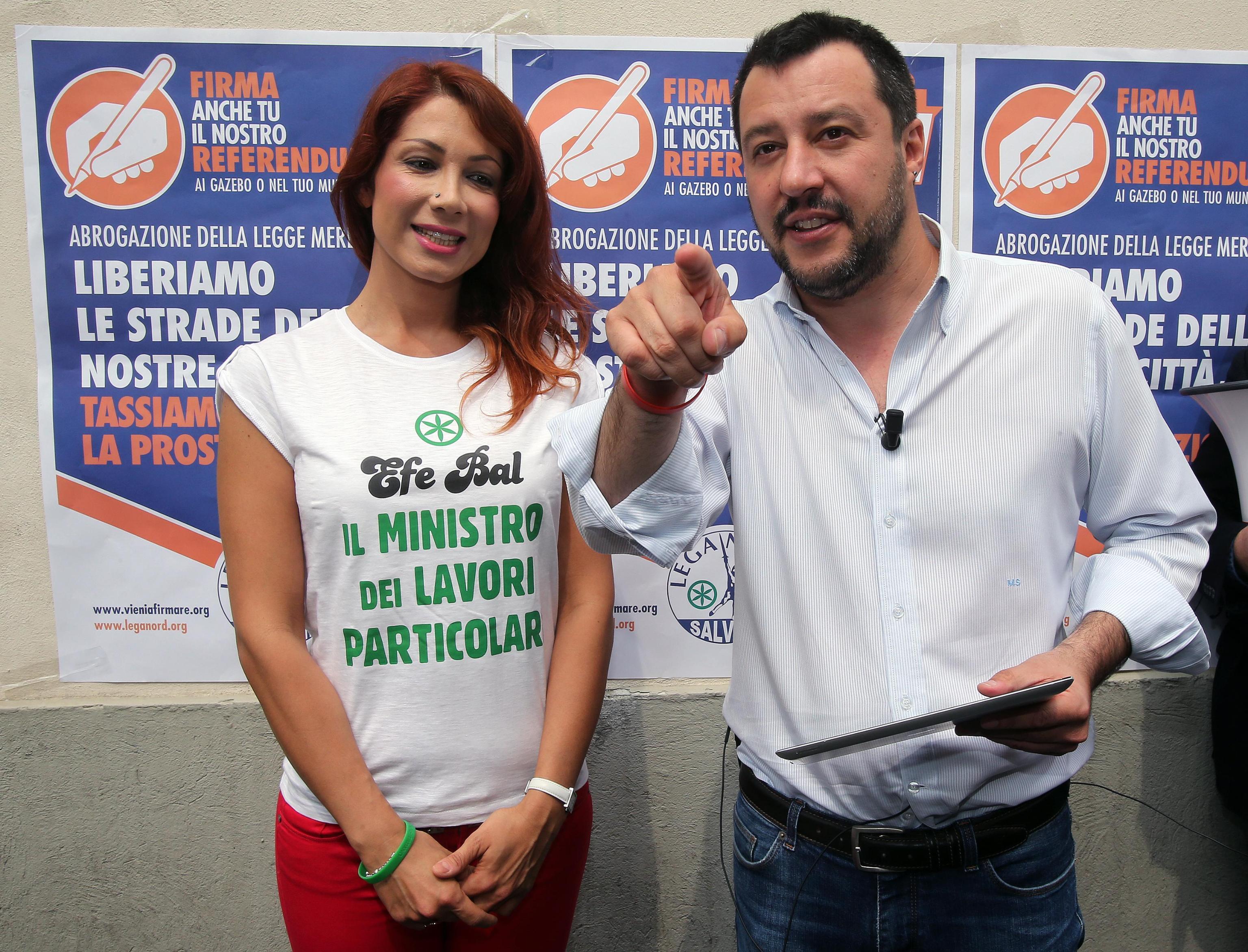 Efe Bal vs Salvini: 'L'ho conosciuto 9 anni fa nel covo della Lega'