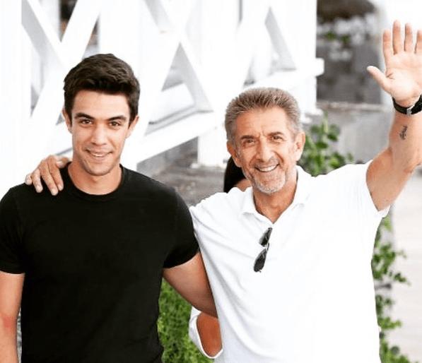 Ezio Greggio presenta il figlio Gabriele: 'Vuole fare l'attore'