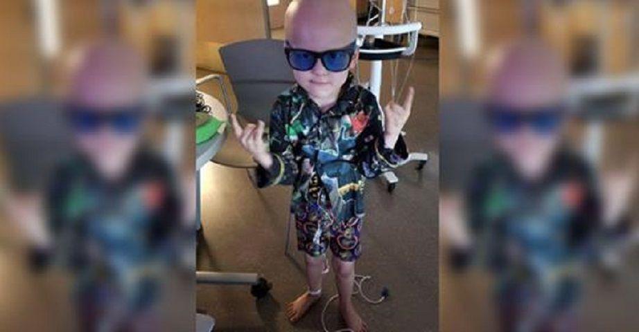 Malato di cancro a 5 anni scrive il suo necrologio: 'Fate festa, rinascerò gorilla'