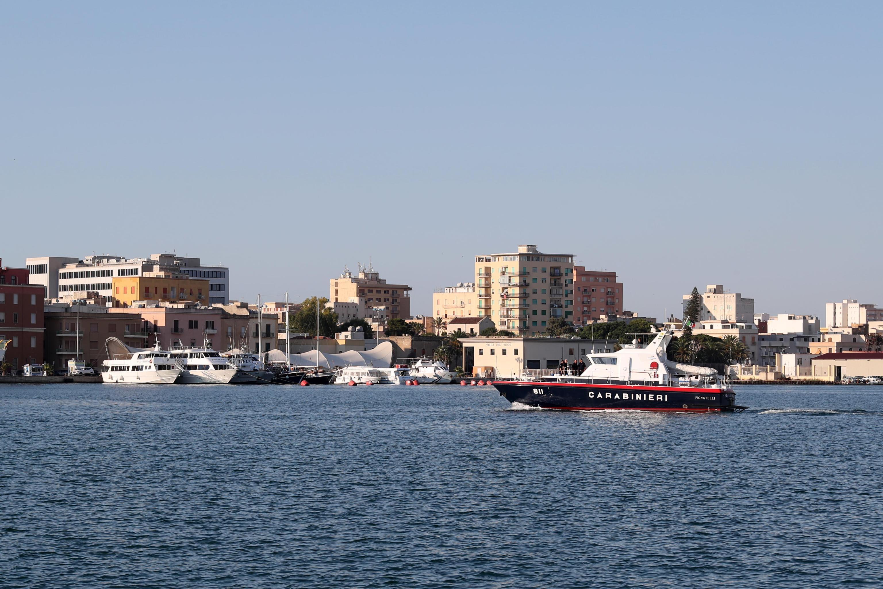 Migranti: la nave Diciotti in attracco a Trapani