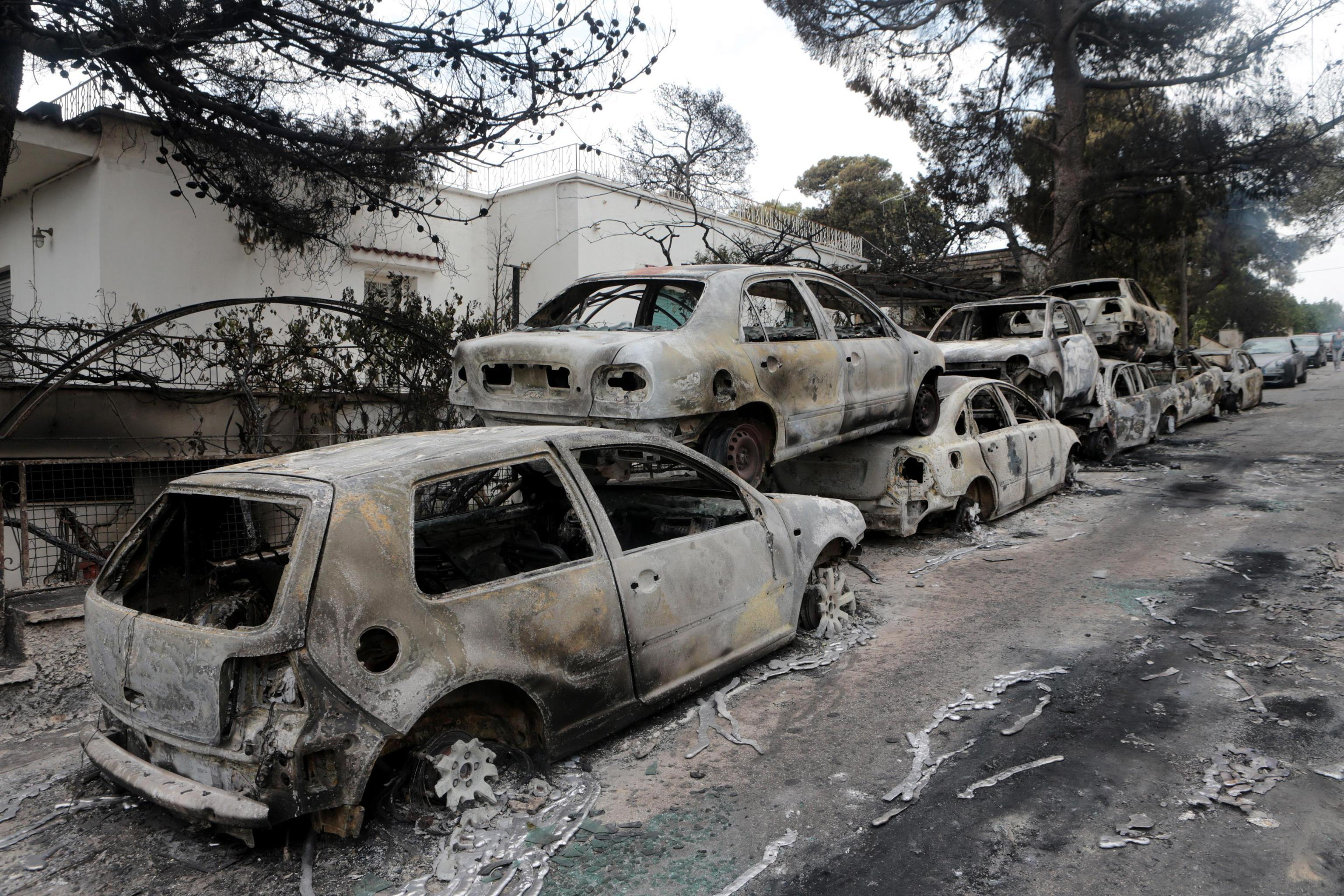 Incendio ad Atene: la lettera commovente di una madre che ha perso marito e figli