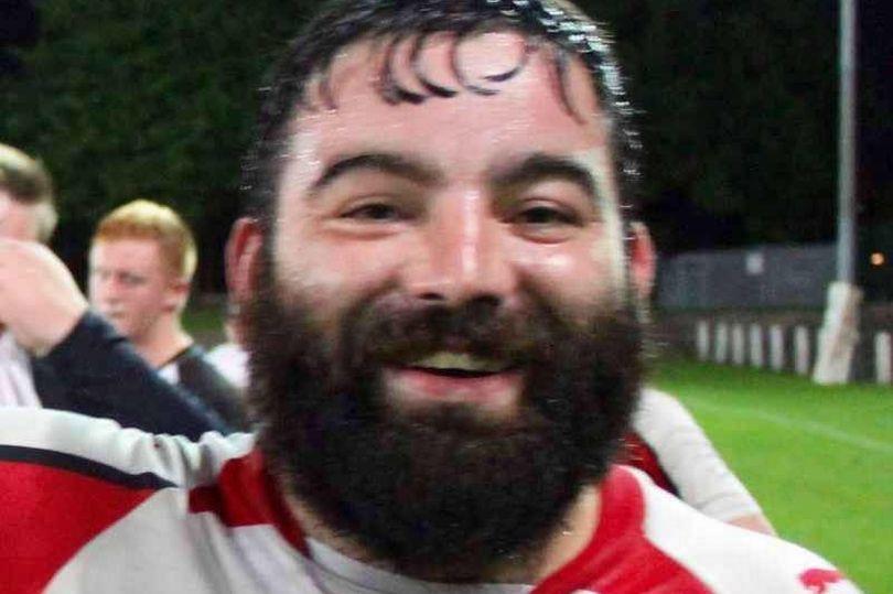 32enne giocatore di Rugby muore durante la partita