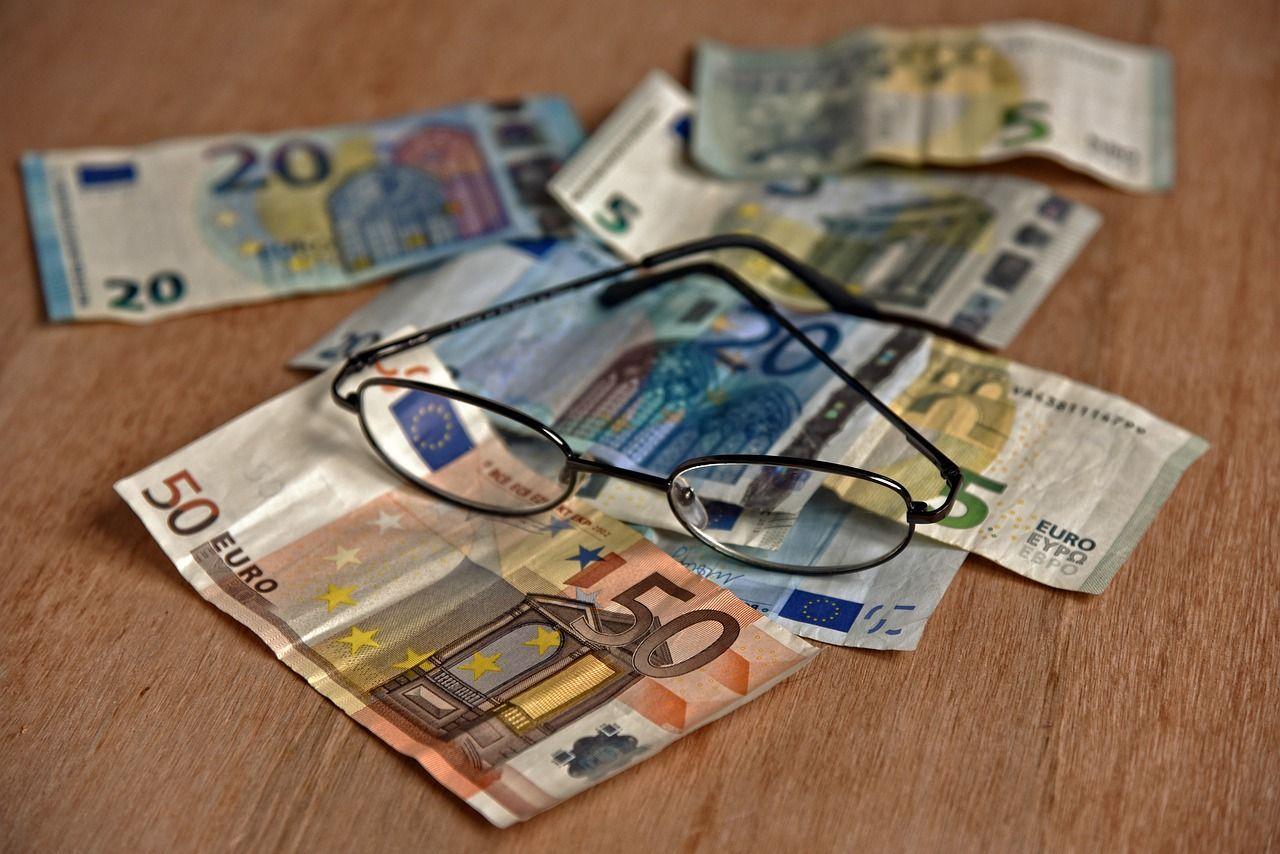 Pensioni d'oro, il Governo inizia a tagliare già sotto i 4mila euro: coinvolti 40mila italiani