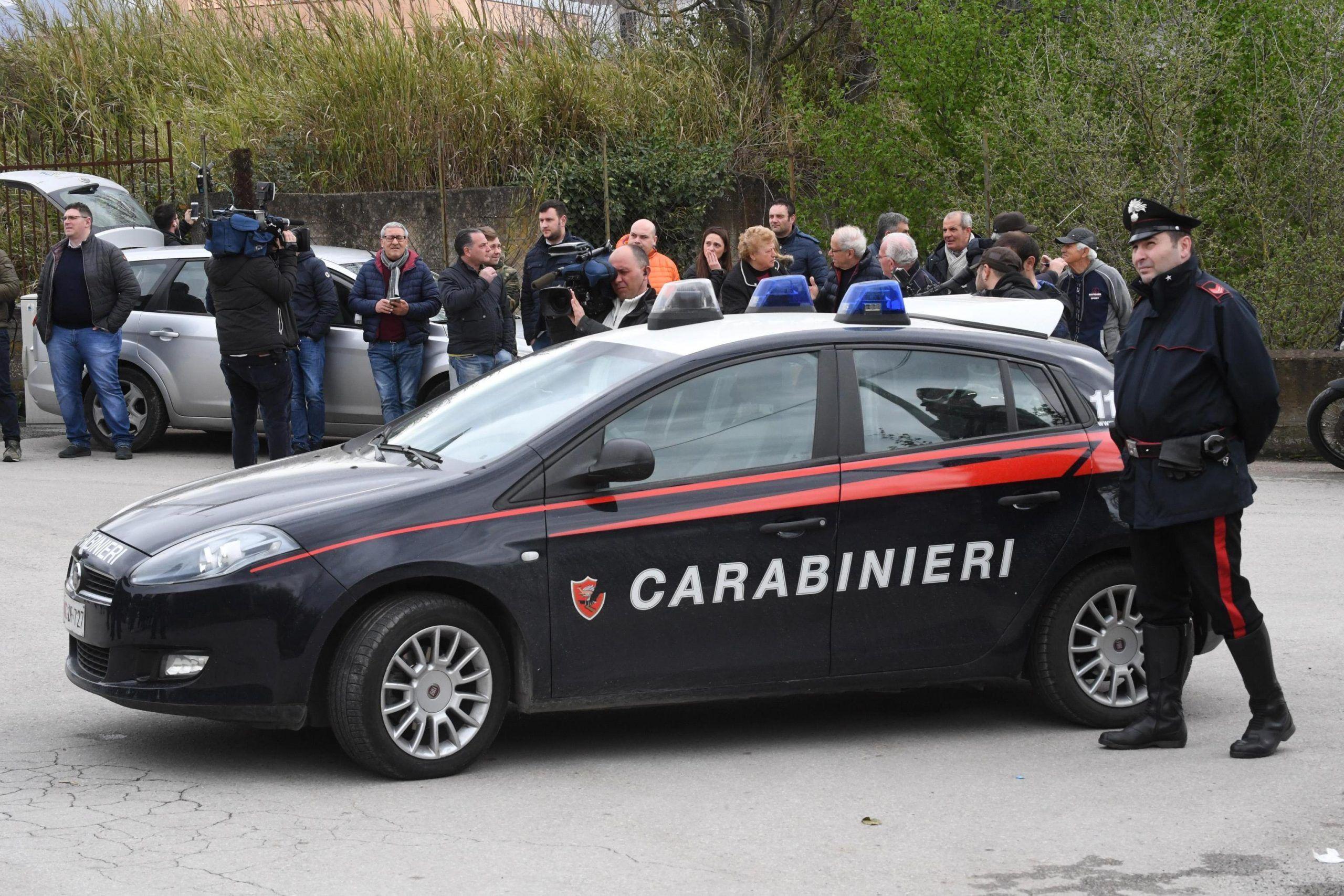 Provincia di Napoli: sparatoria a un ricevimento per una banale lite tra bambini