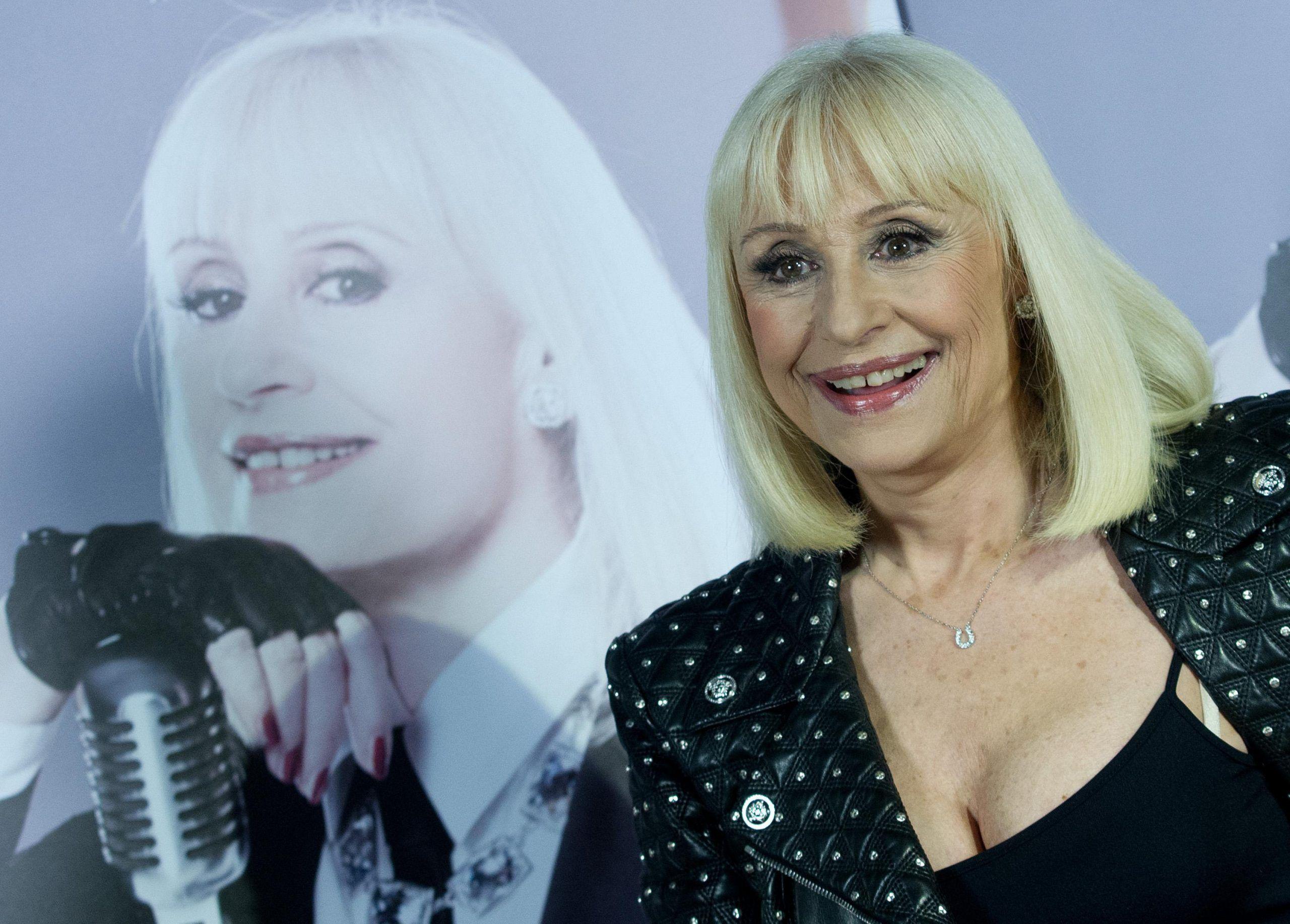 Raffaella Carrà confessa: 'Sposarmi? Non ci ho mai pensato né ci penso adesso'