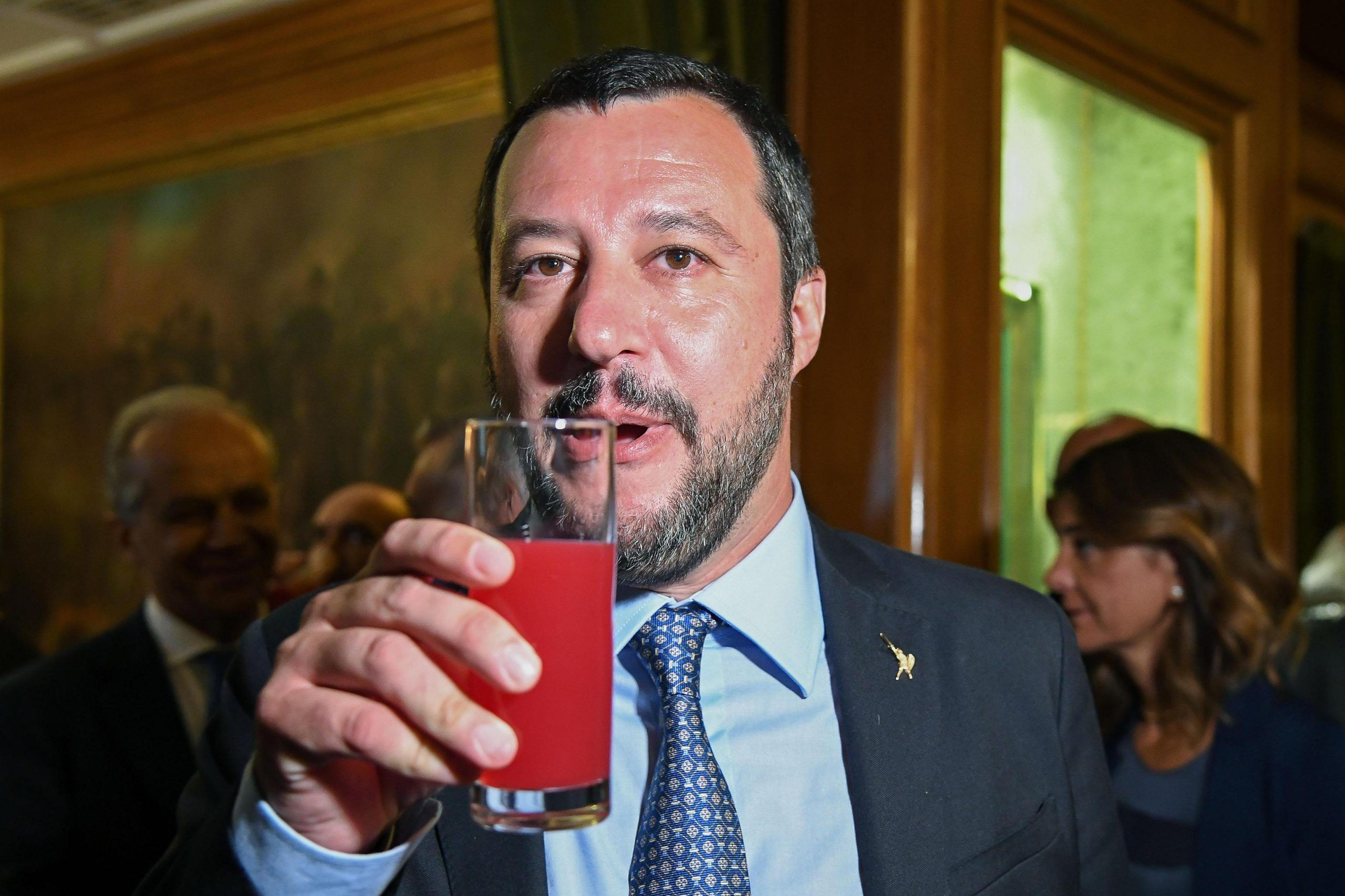 Salvini beve