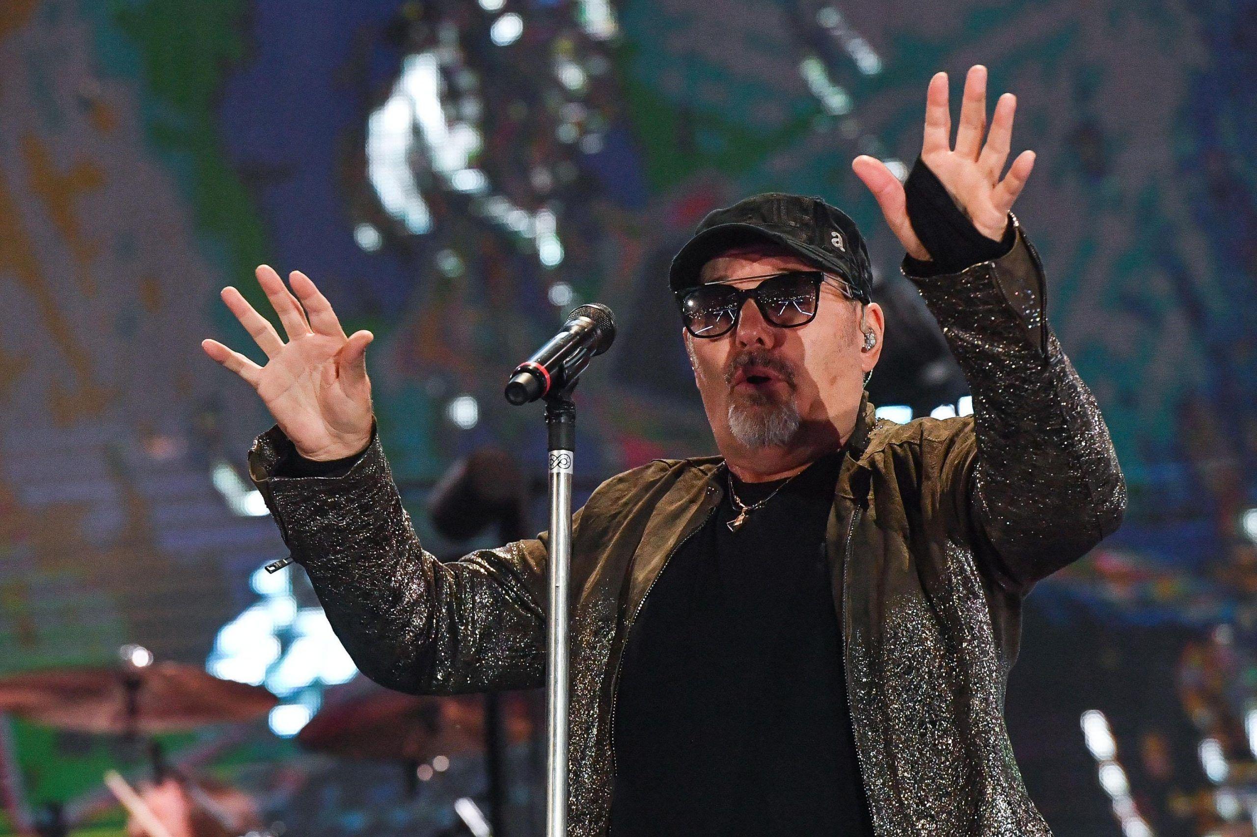 Vasco Rossi, il cantante va in pensione con 40 anni di contributi