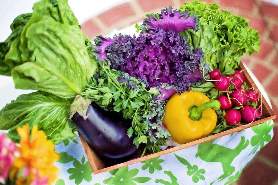 Listeria: formaggi, insalata e tutti gli alimenti a rischio infezione