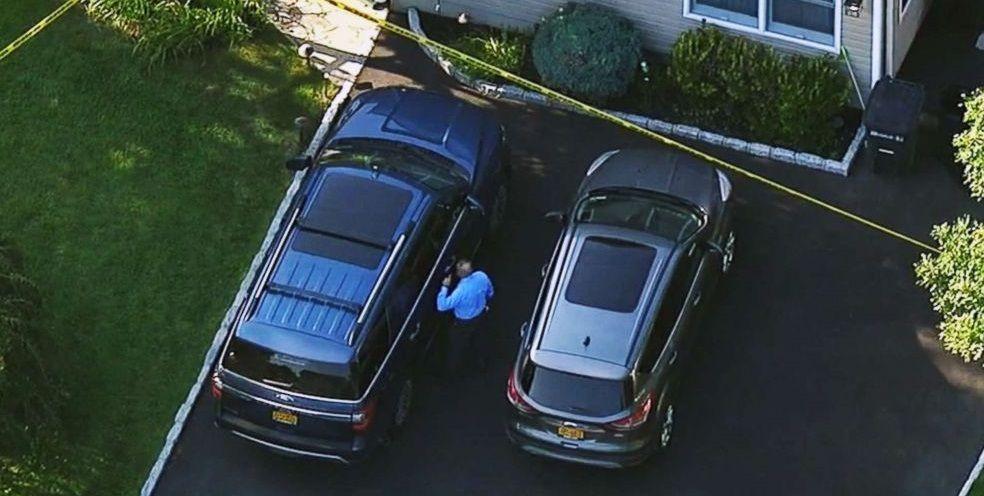 Bambina muta muore dopo essere stata dimenticata in auto sotto al sole