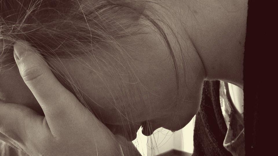 Napoli: 18enne stuprata da due giovani violentata anche dal soccorritore