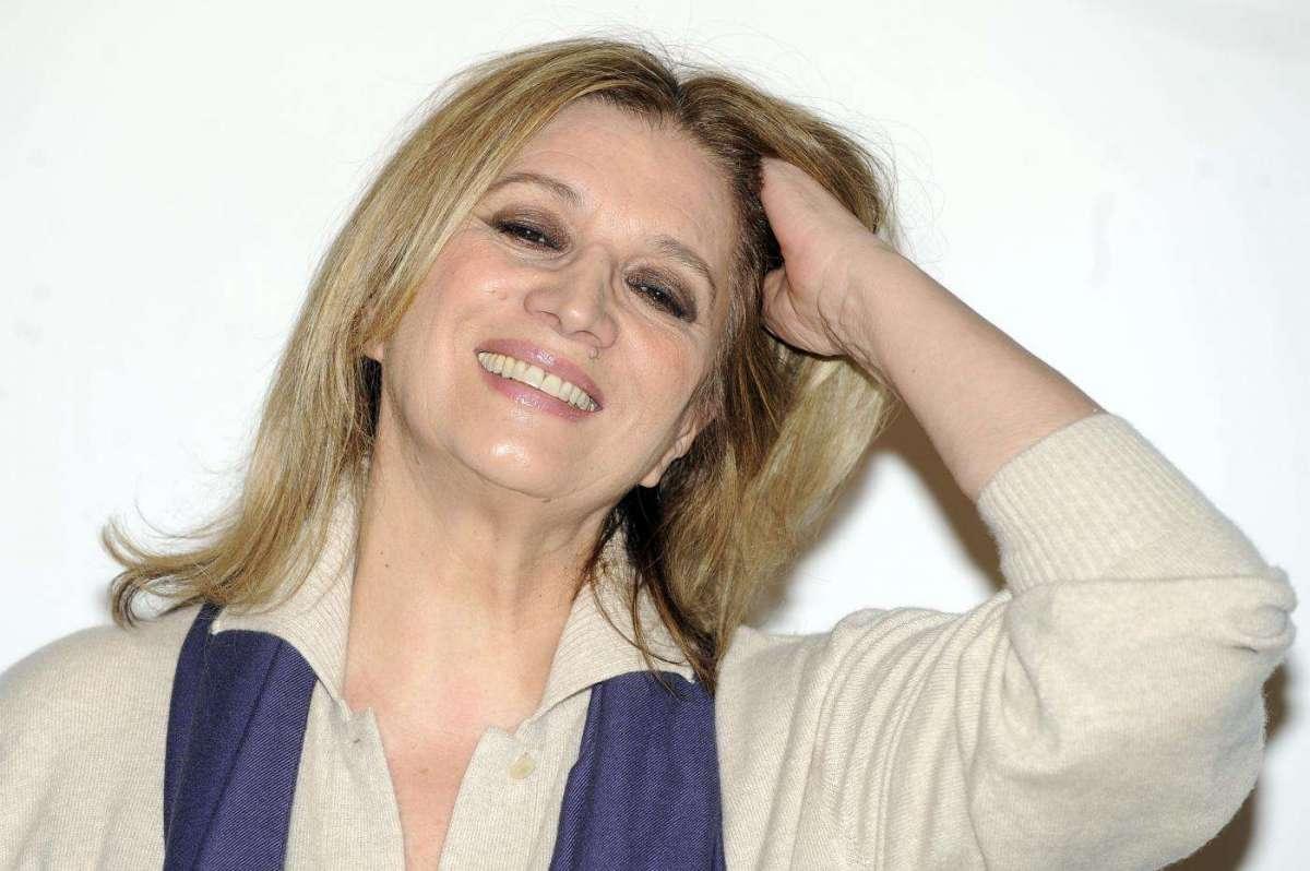 Iva Zanicchi: 'Ho sbagliato a buttarmi in politica, ora sogno Sanremo'