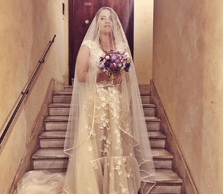 Fiori d'arancio per Noemi, la cantante ha sposato il fidanzato storico