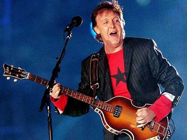 Paul McCartney attraversa le strisce pedonali di Abbey Road, il video diventa virale