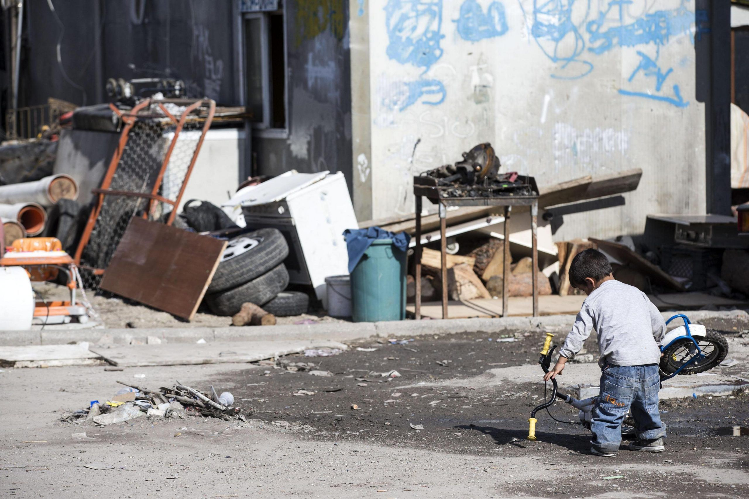Rom di Roma: al via i rimpatri in Romania pagati dal Comune