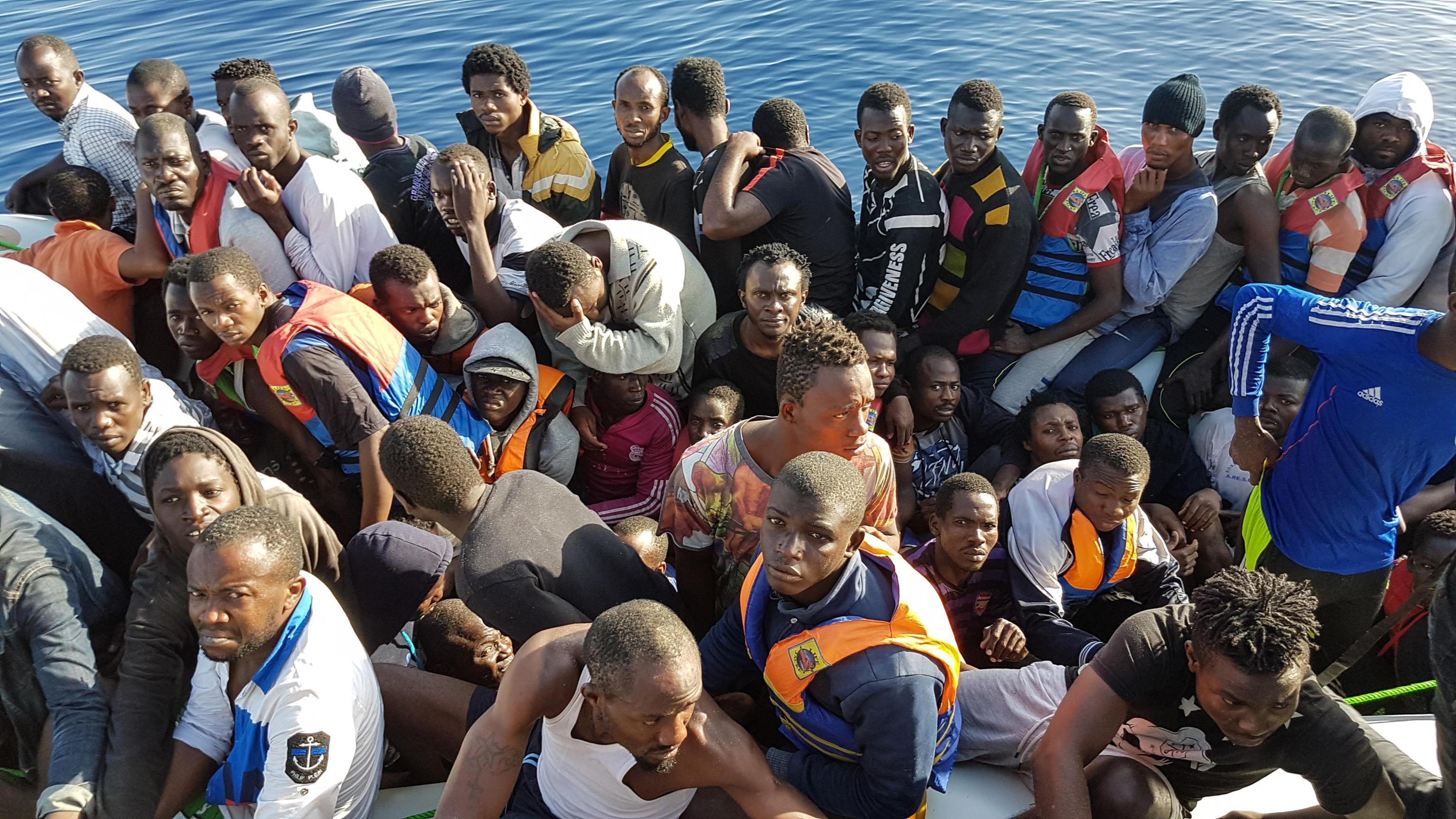 Migranti sbarchi clandestini Libia Italia
