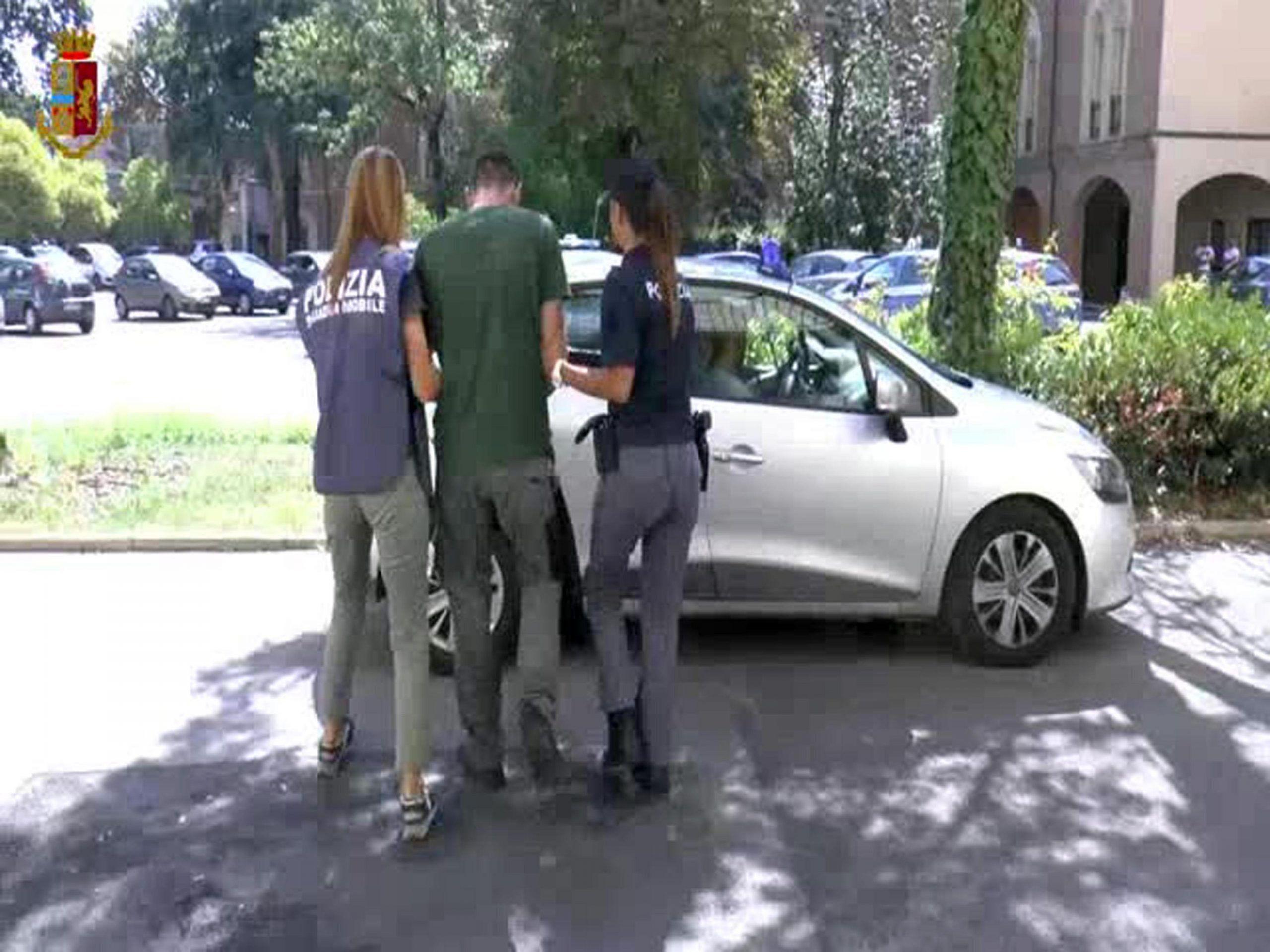 Ragazza violentata a Reggio, accertamenti su arrestato