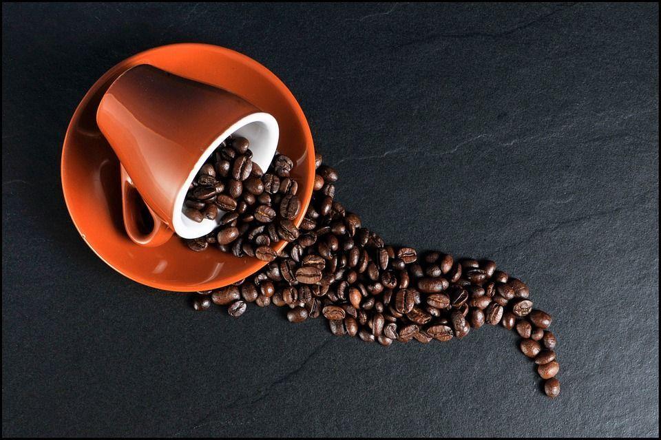 9 curiosità sul caffè, la bevanda che sveglia e muove il mondo