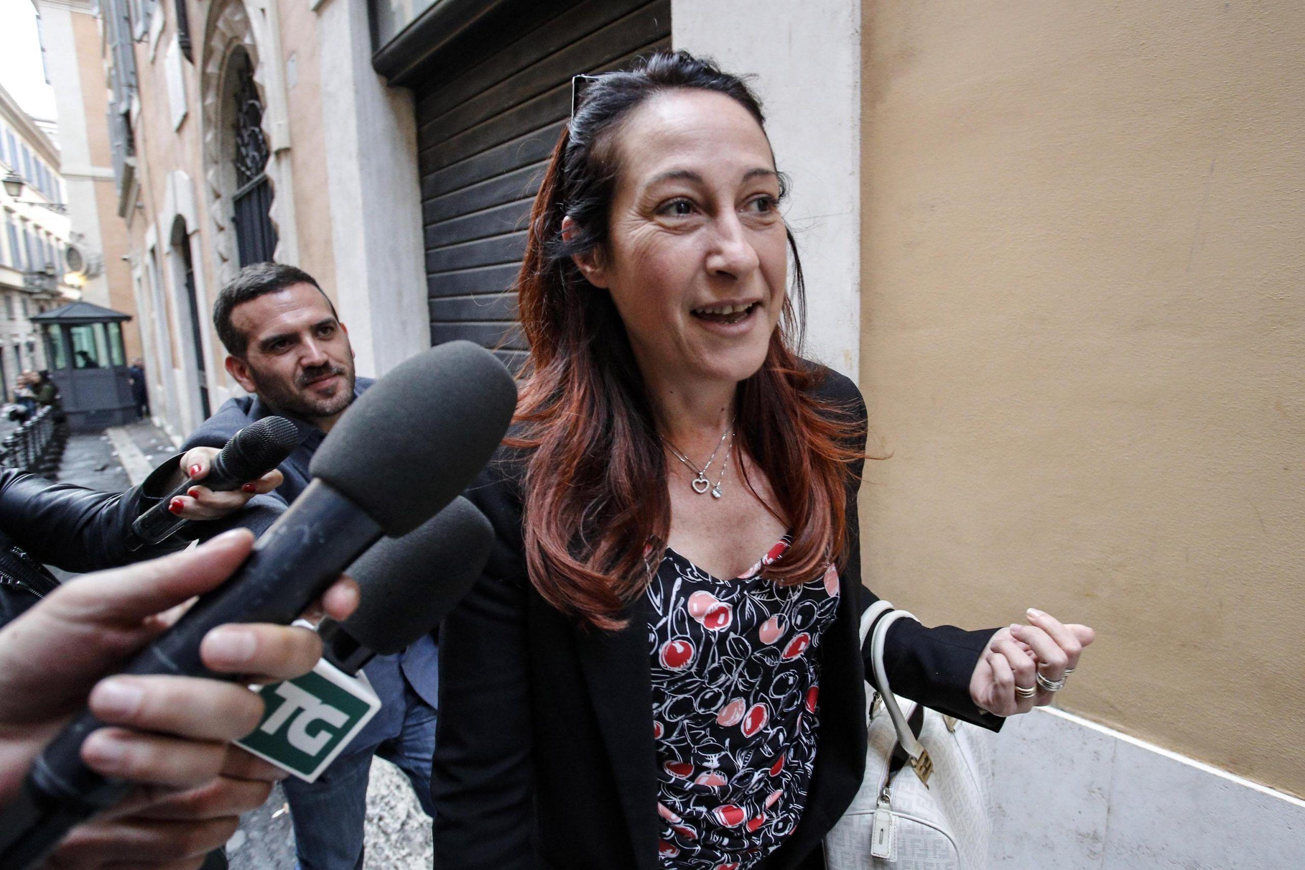 Paola Taverna sui vaccini