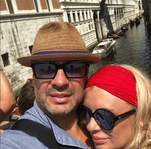 Tina Cipollari esce allo scoperto, la foto con Vincenzo Ferrara il suo nuovo amore