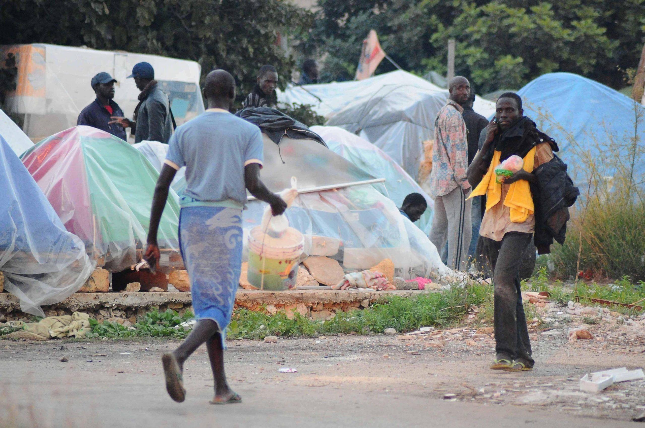 imprenditore senegalese africani non venite in italia
