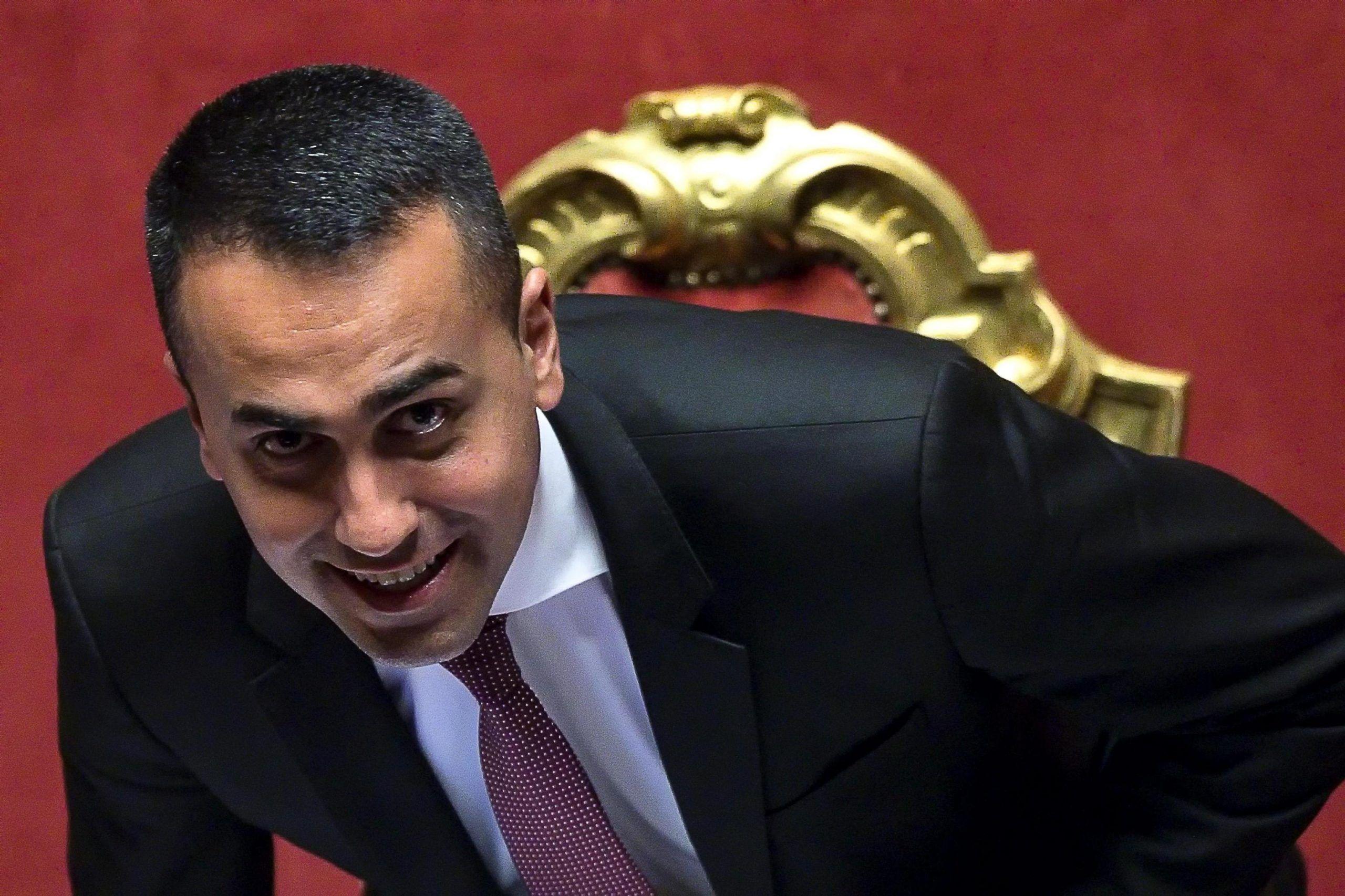 Di Maio ricorda Marcinelle e il web ironizza: 'Lui è la prova che è meglio emigrare'