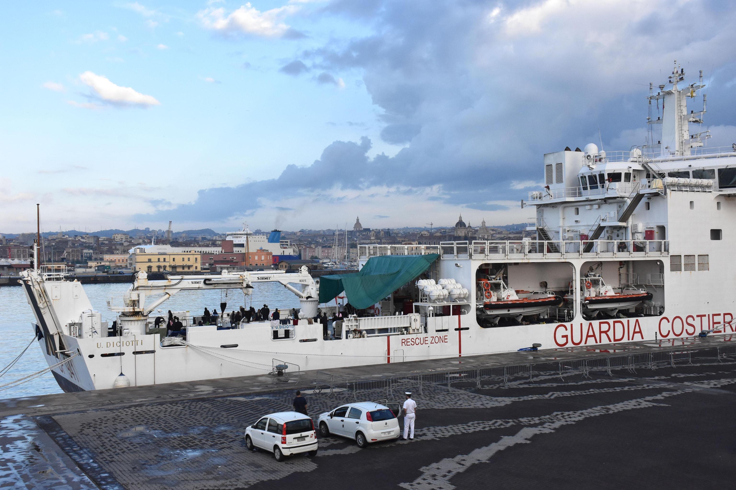 Tenere la Nave Diciotti in porto 10 giorni è costato oltre 200.000 euro
