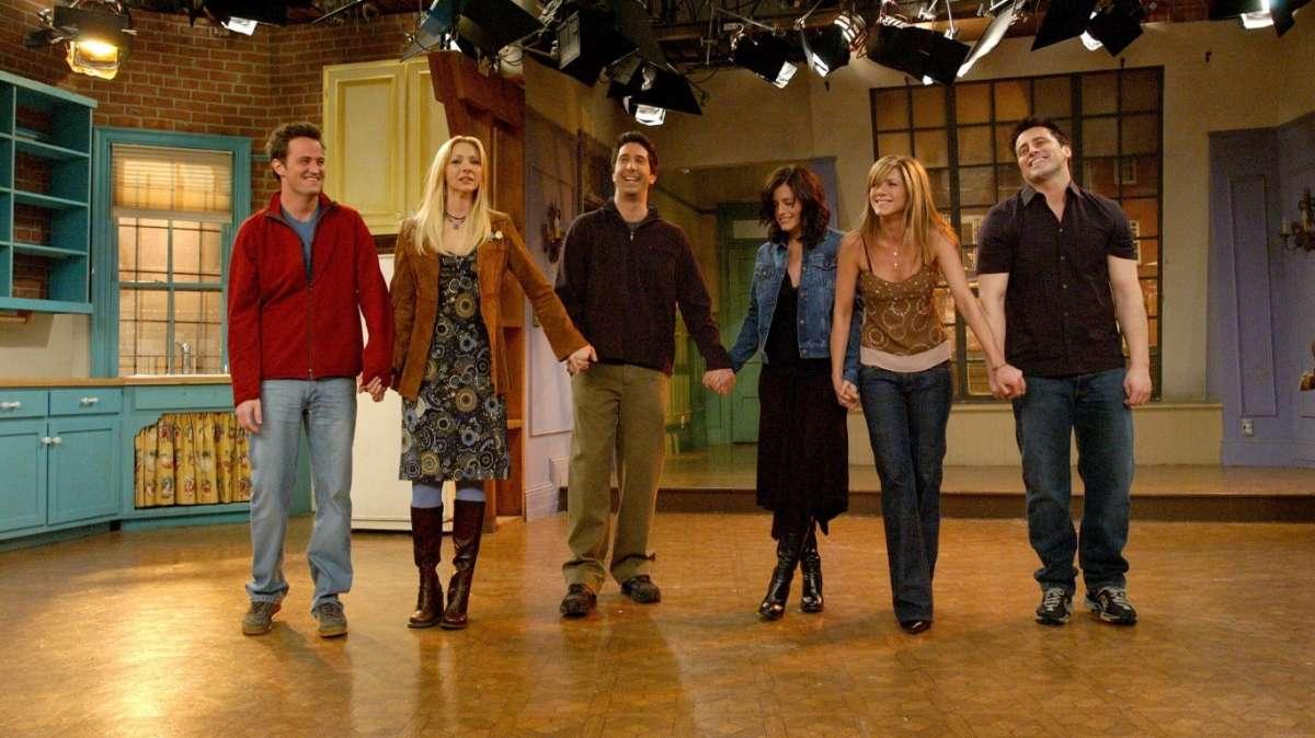 Matthew Perry, il Chandler di Friends è stato operato d'urgenza
