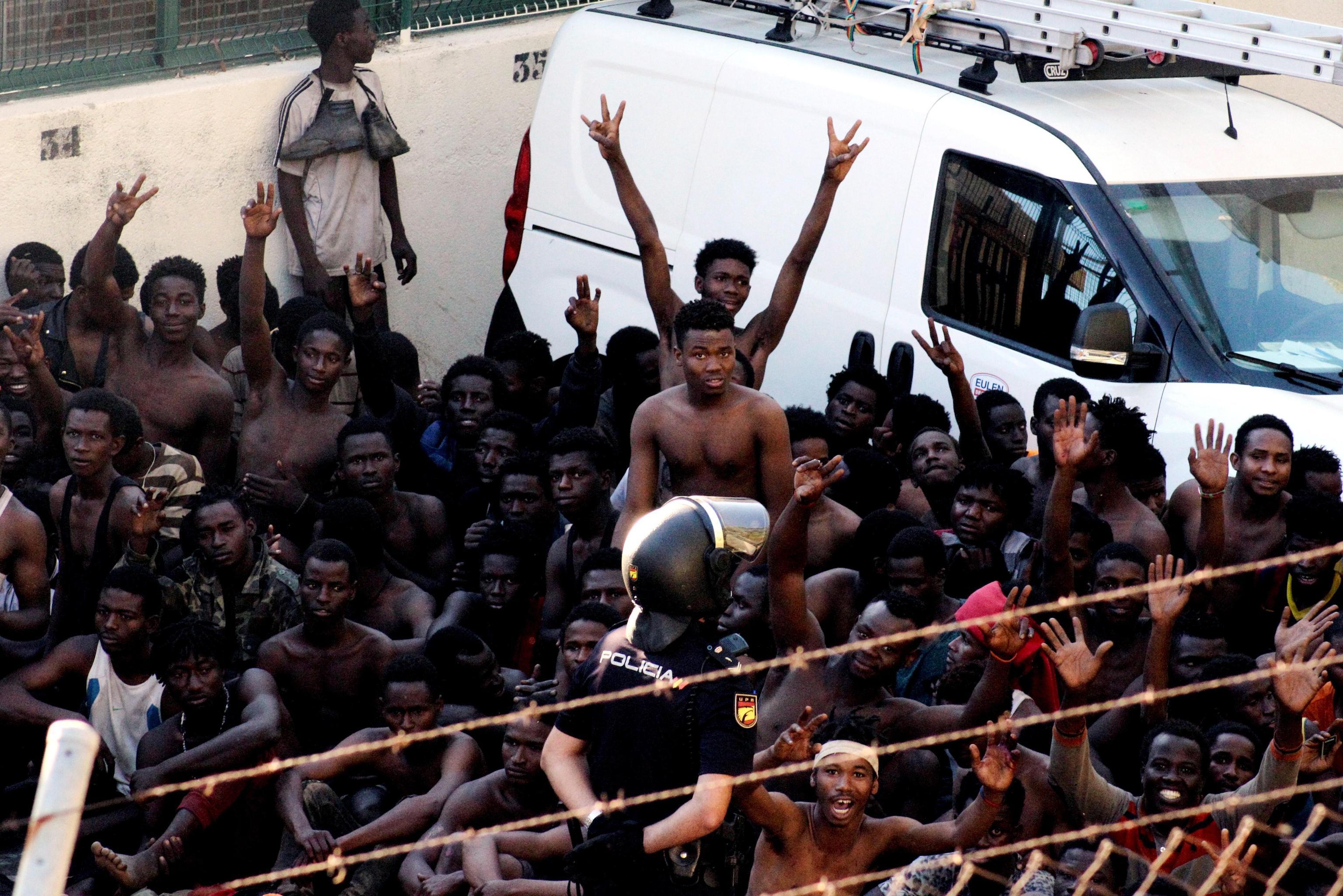 'Migranti pretendono l'aria condizionata e Sky', ecco cosa è successo davvero a Vicenza