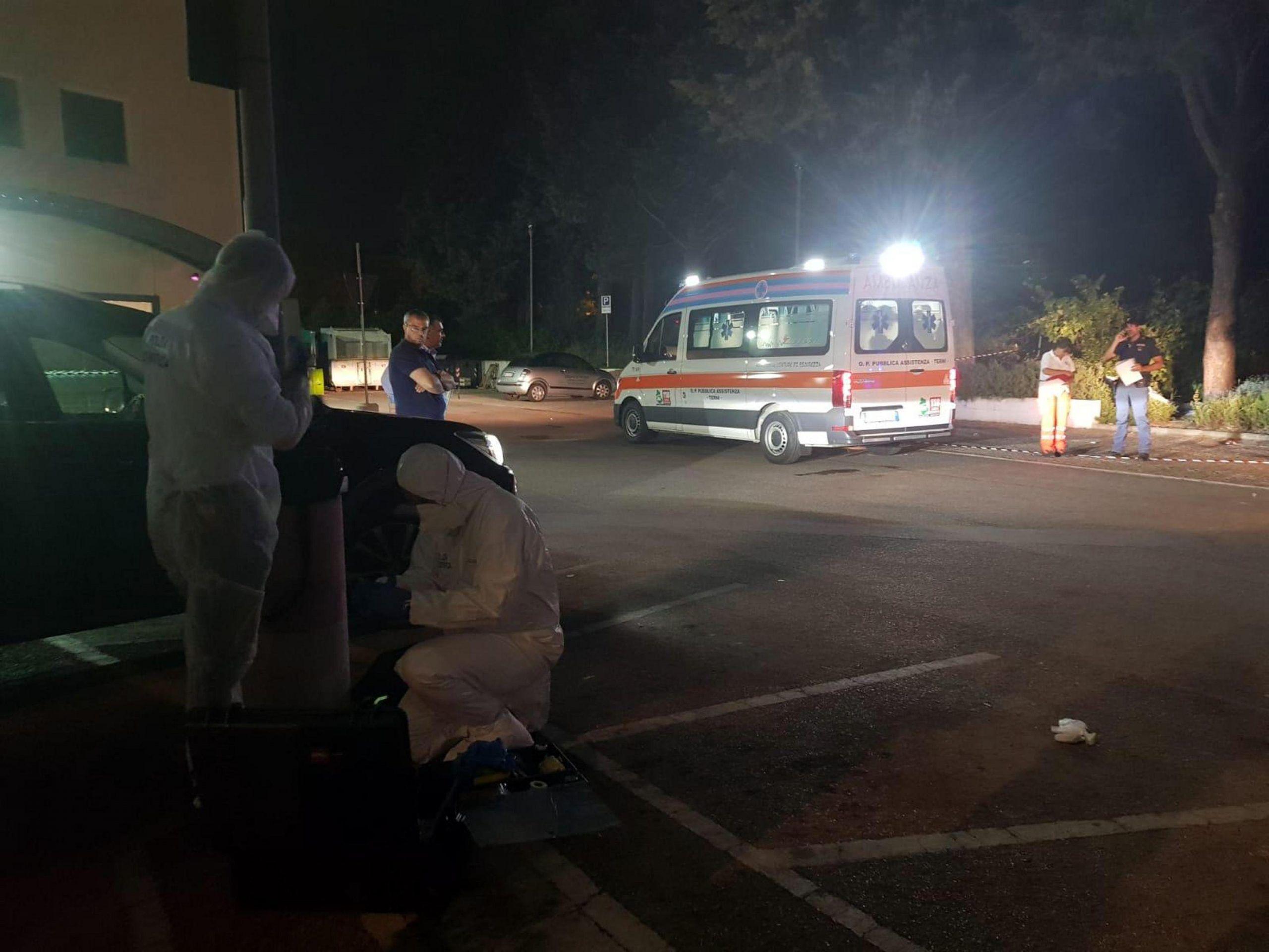 Neonato trovato morto vicino a supermercato Terni