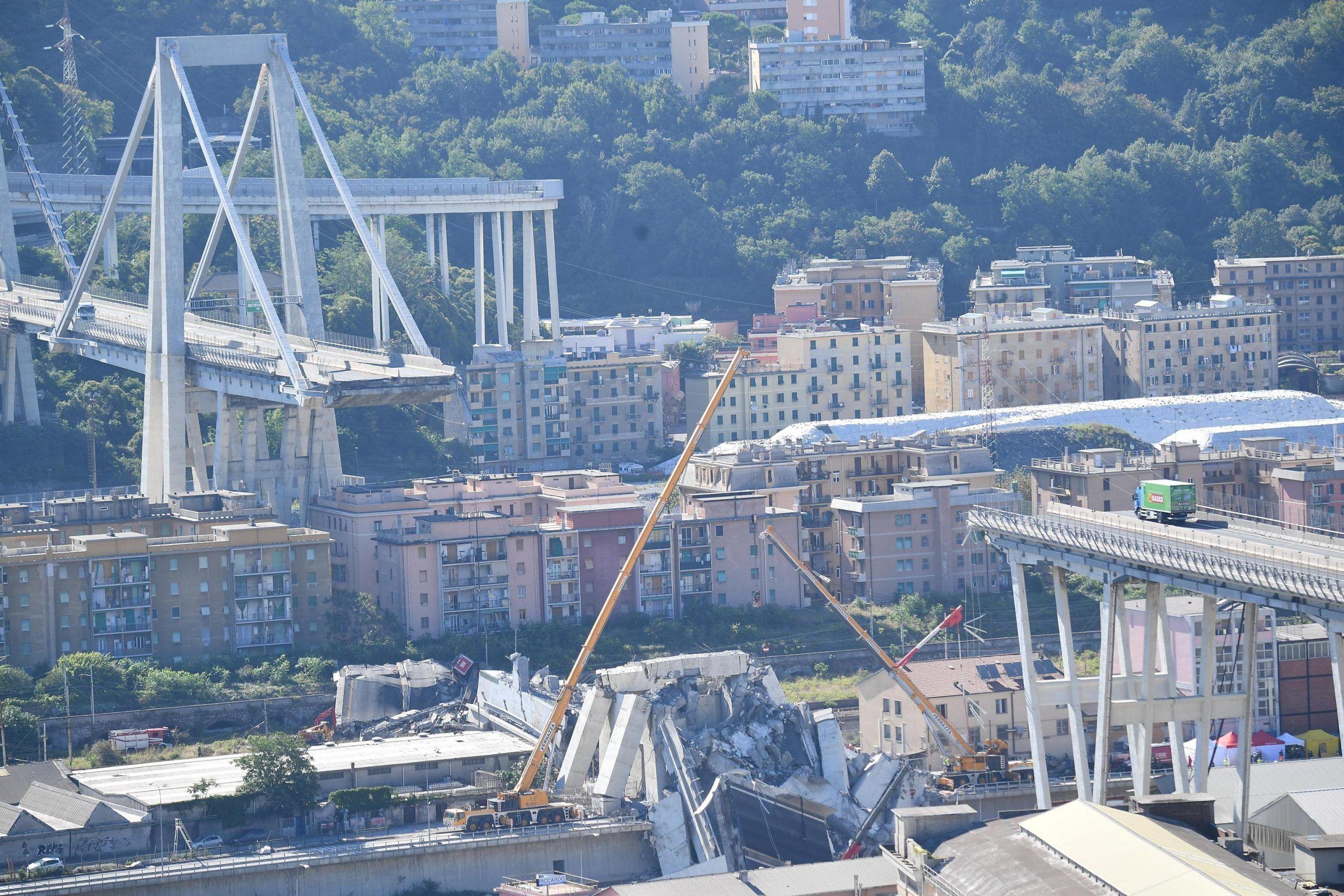 Ponte morandi crolla a Genoa