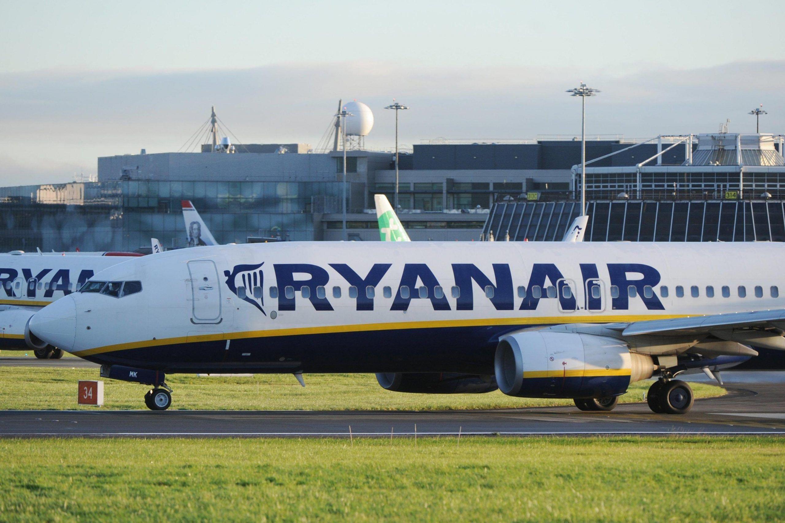 Ryanair: il bagaglio a mano si pagherà, ecco da quando e quanto