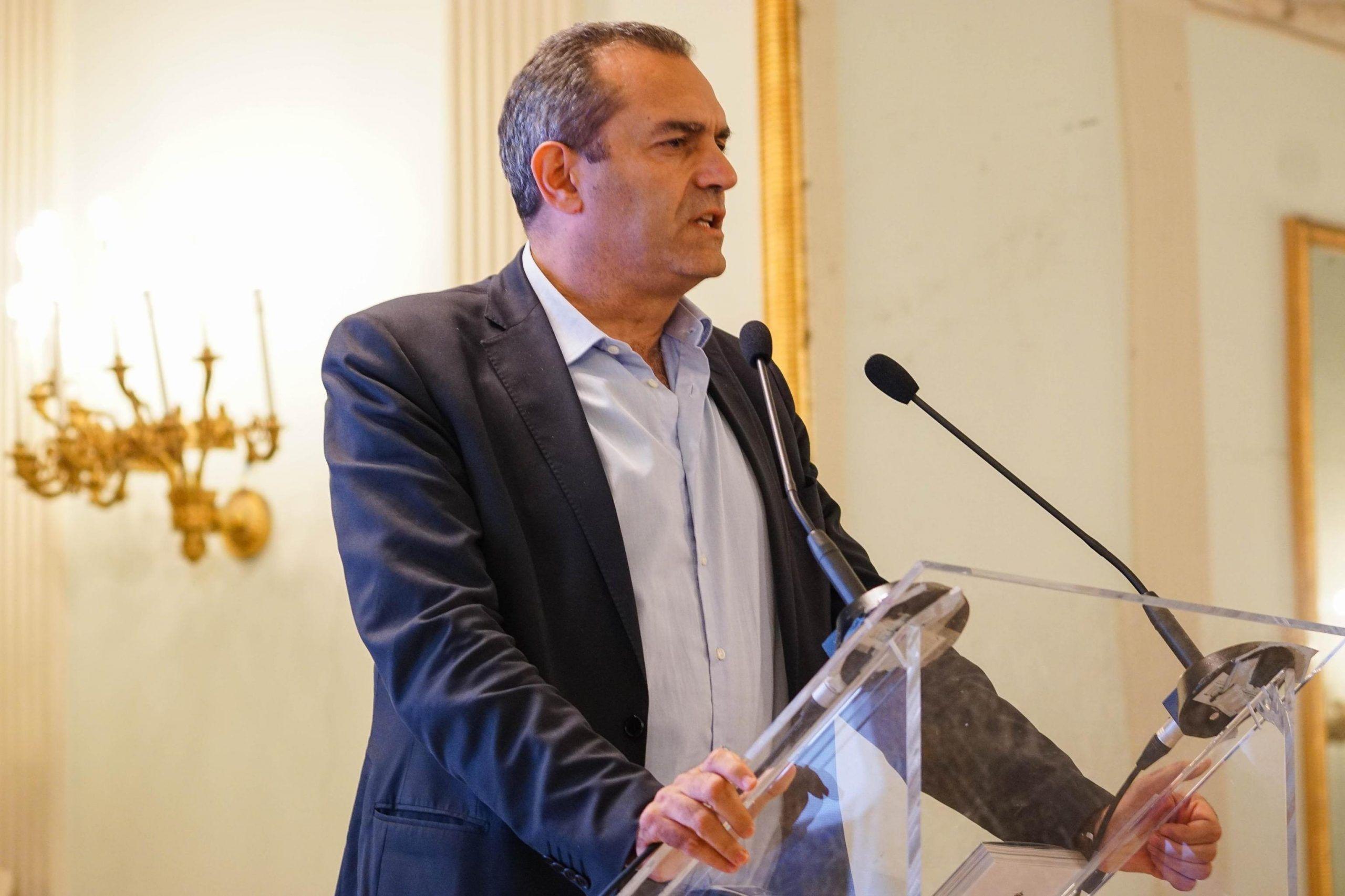 De Magistris: 'Per l'autonomia di Napoli ci vuole una moneta indipendente'
