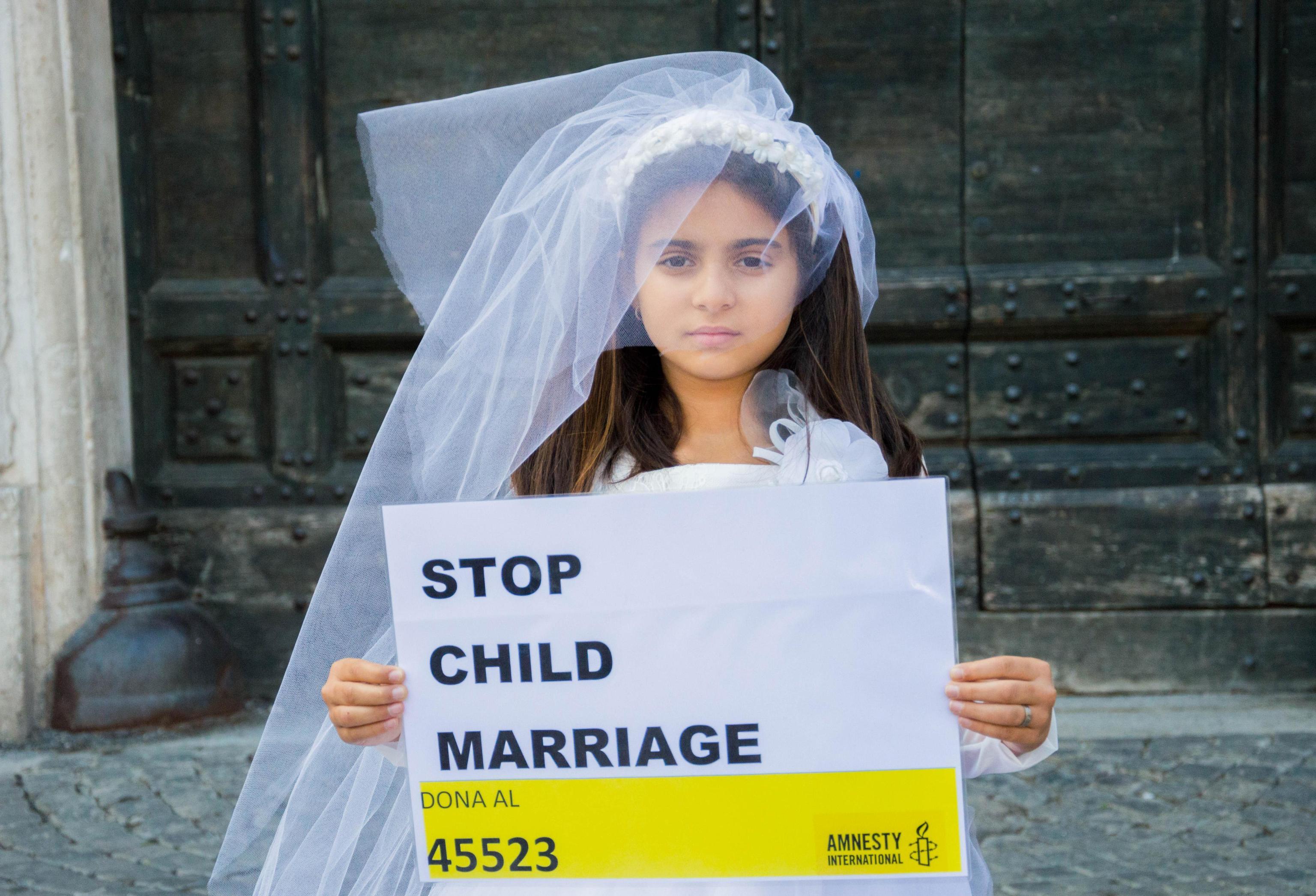 Dorhoty, sposa bambina venduta a 12 anni per 20 euro: 'Ho già 5 figli'