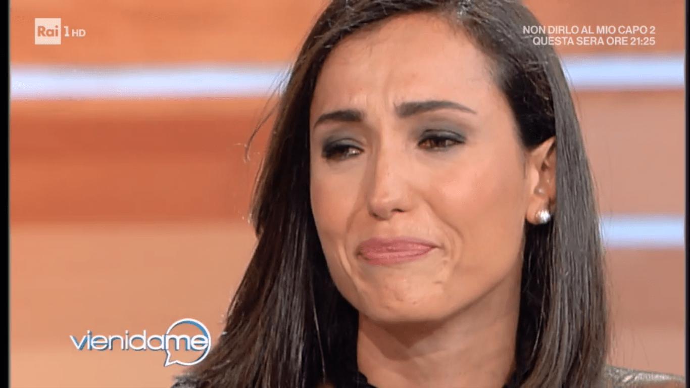 Flavio Insinna fa piangere Caterina Balivo a Vieni da me: 'La vita è ingiusta'