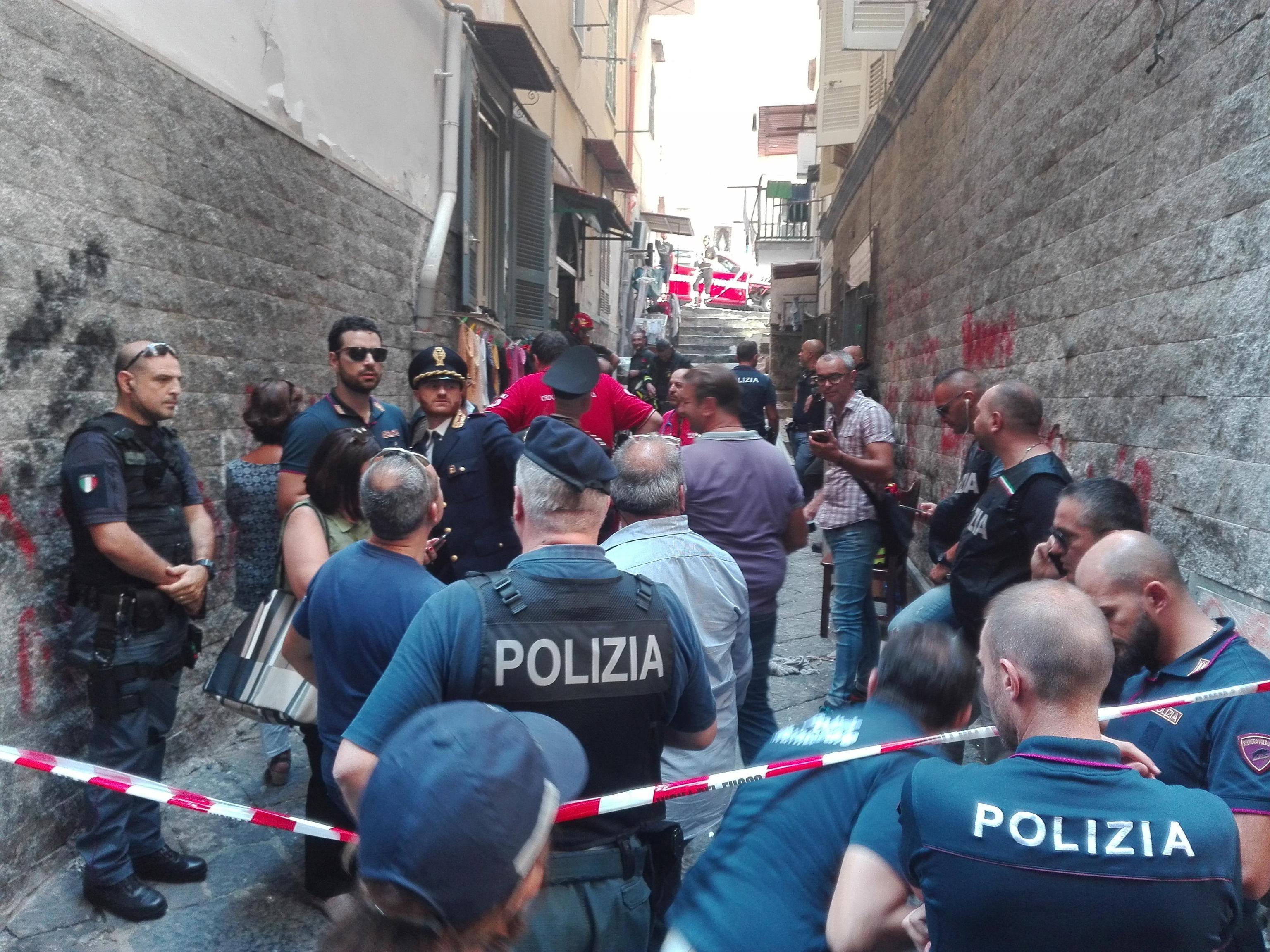 Napoli esplosione nei quartieri spagnoli: un morto e due feriti