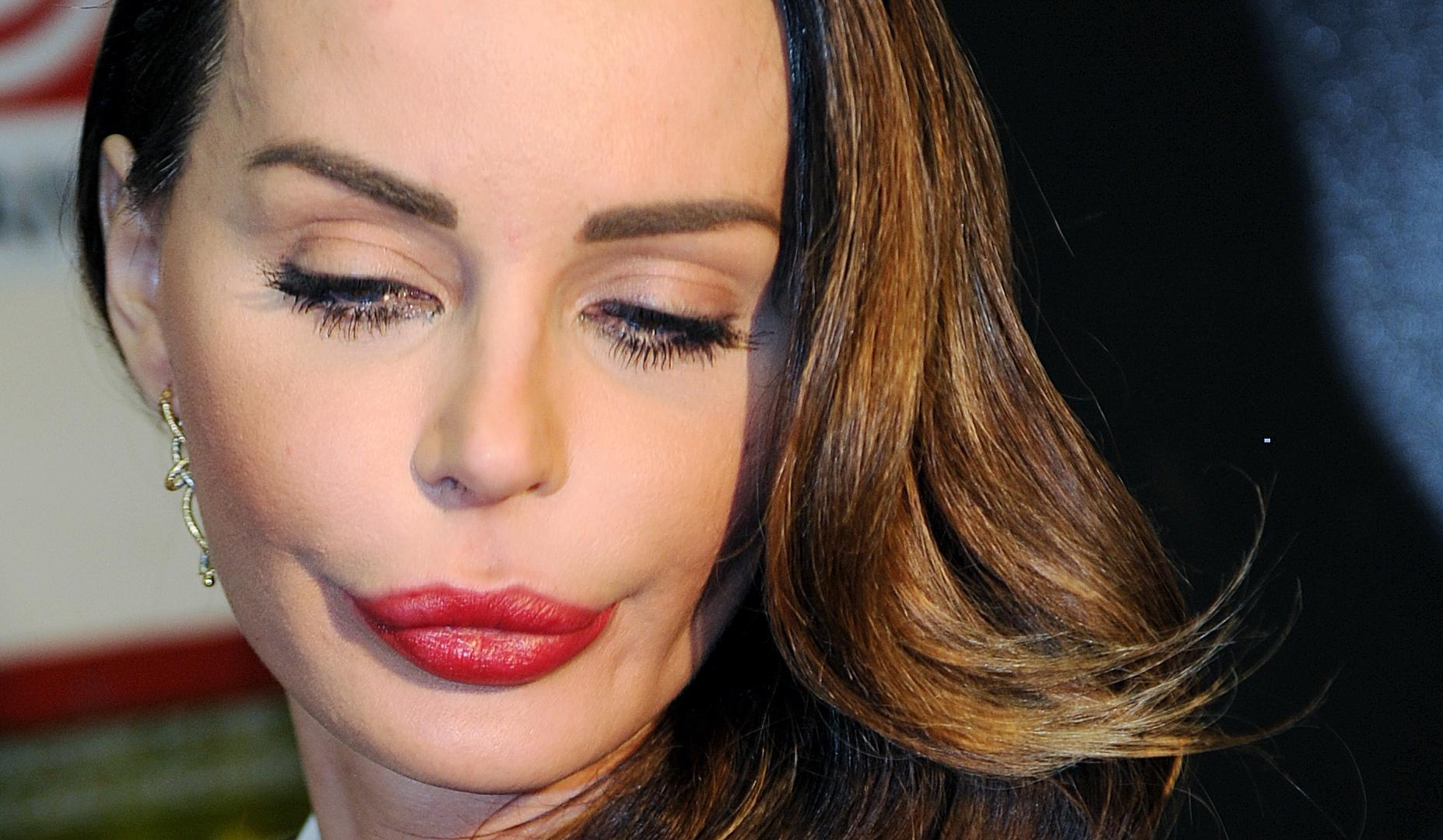 Nina Moric non vuole che il figlio Carlos vada in tv: 'Ne discuteremo nelle sedi giuridiche'
