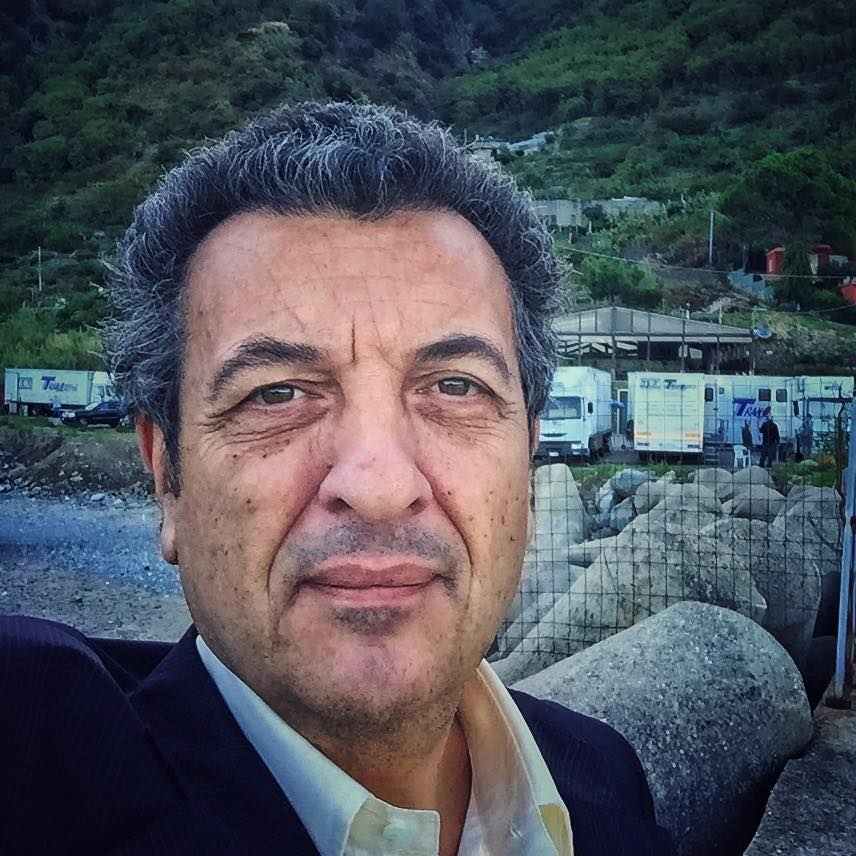 Morto Riccardo Zinna, l'attore era malato da tempo: si è spento a 60 anni