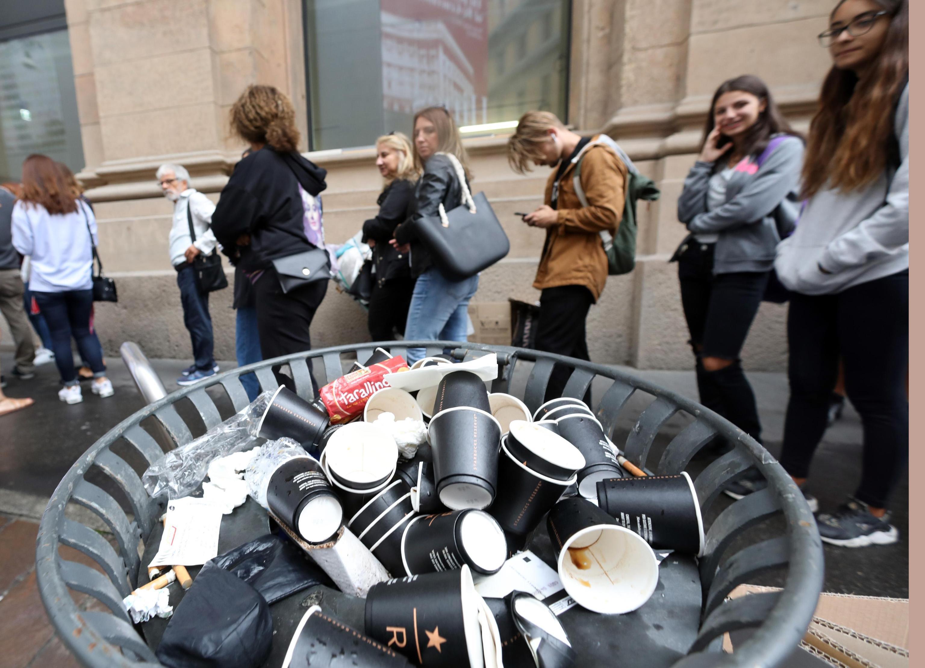 Starbucks a Milano, arriva il caffè miscelato alle polemiche