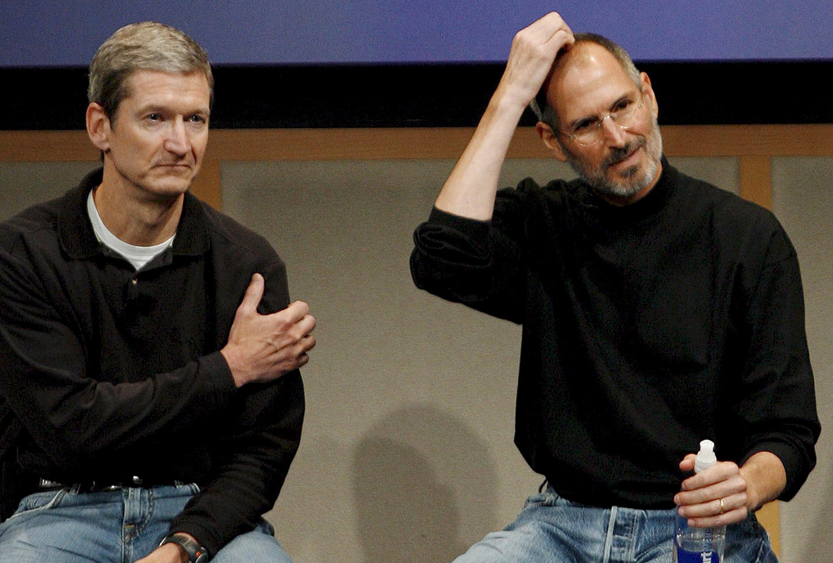 Apple CEO Steve Jobs resigns, Cook in charge