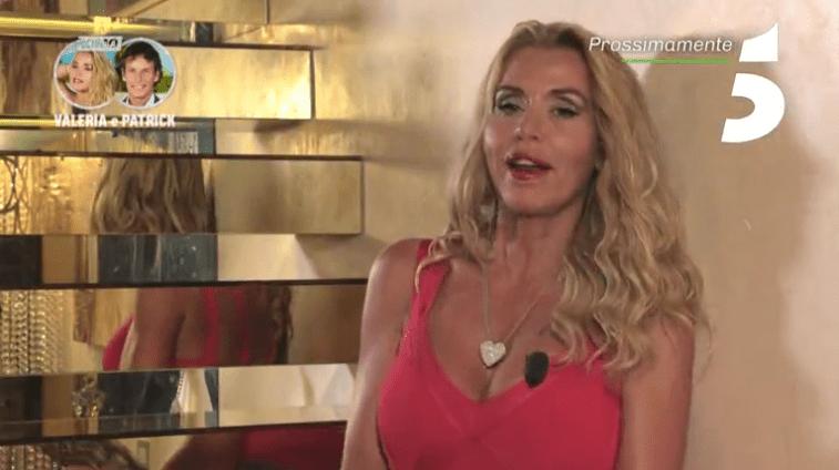 Temptation Island VIP, Valeria Marini piange ricordando il papà