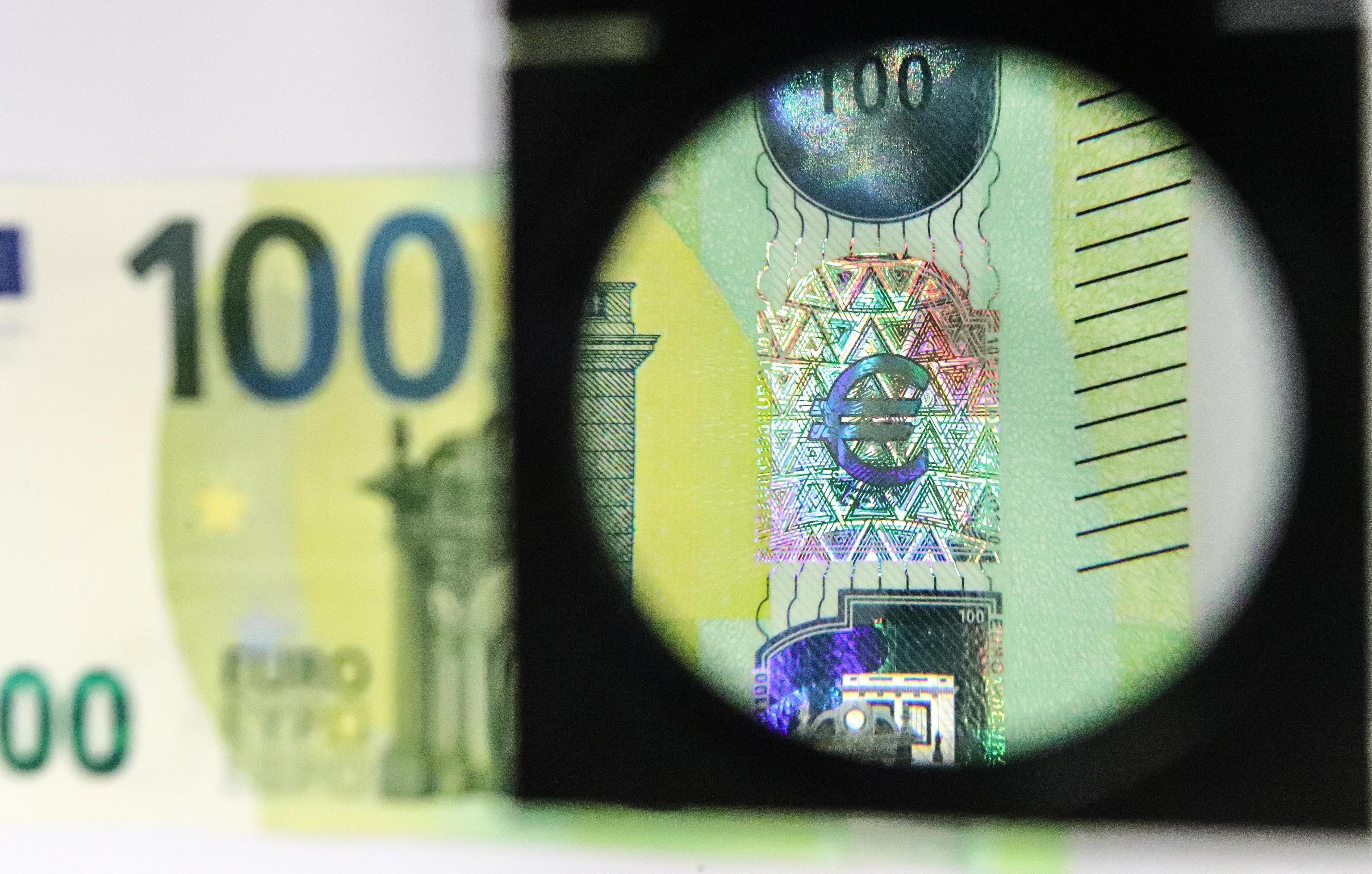 Guerra ai falsari, in arrivo nuove banconote 100 e 200 euro