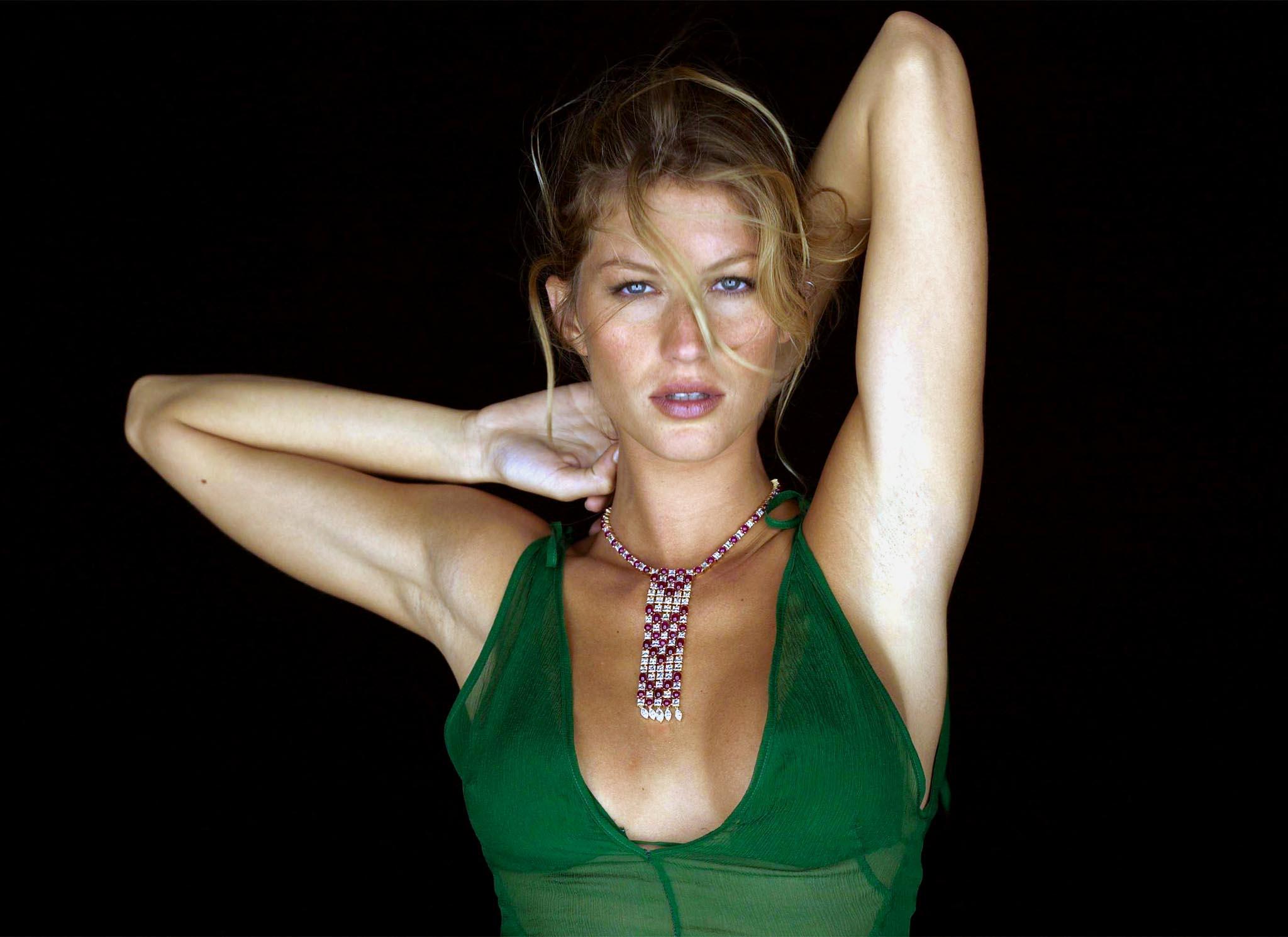 Gisele Bündchen, l'ex di Leonardo Di Caprio: 'Ho pensato al suicidio'