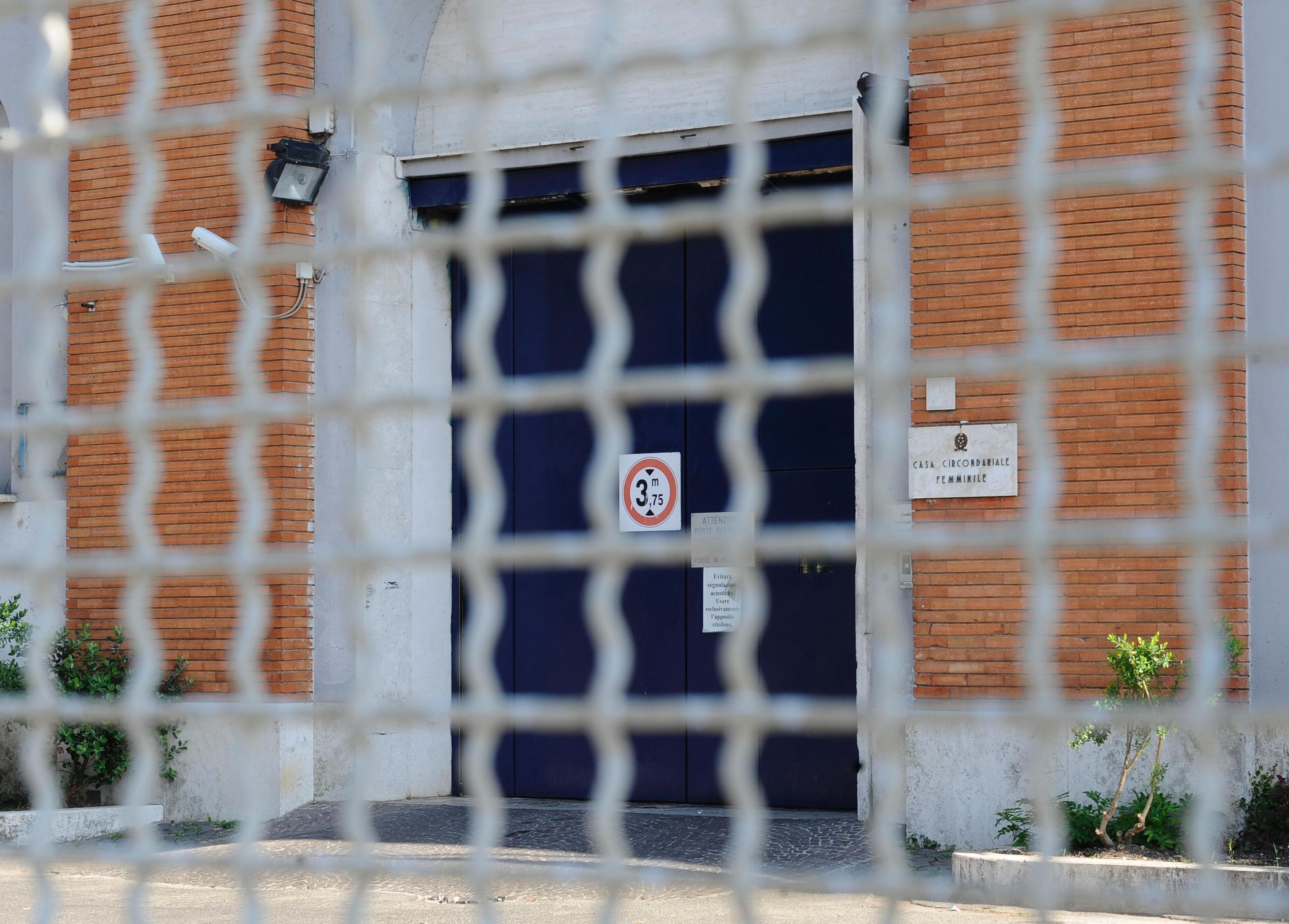 Detenuta a Rebibbia uccide i due figli in carcere